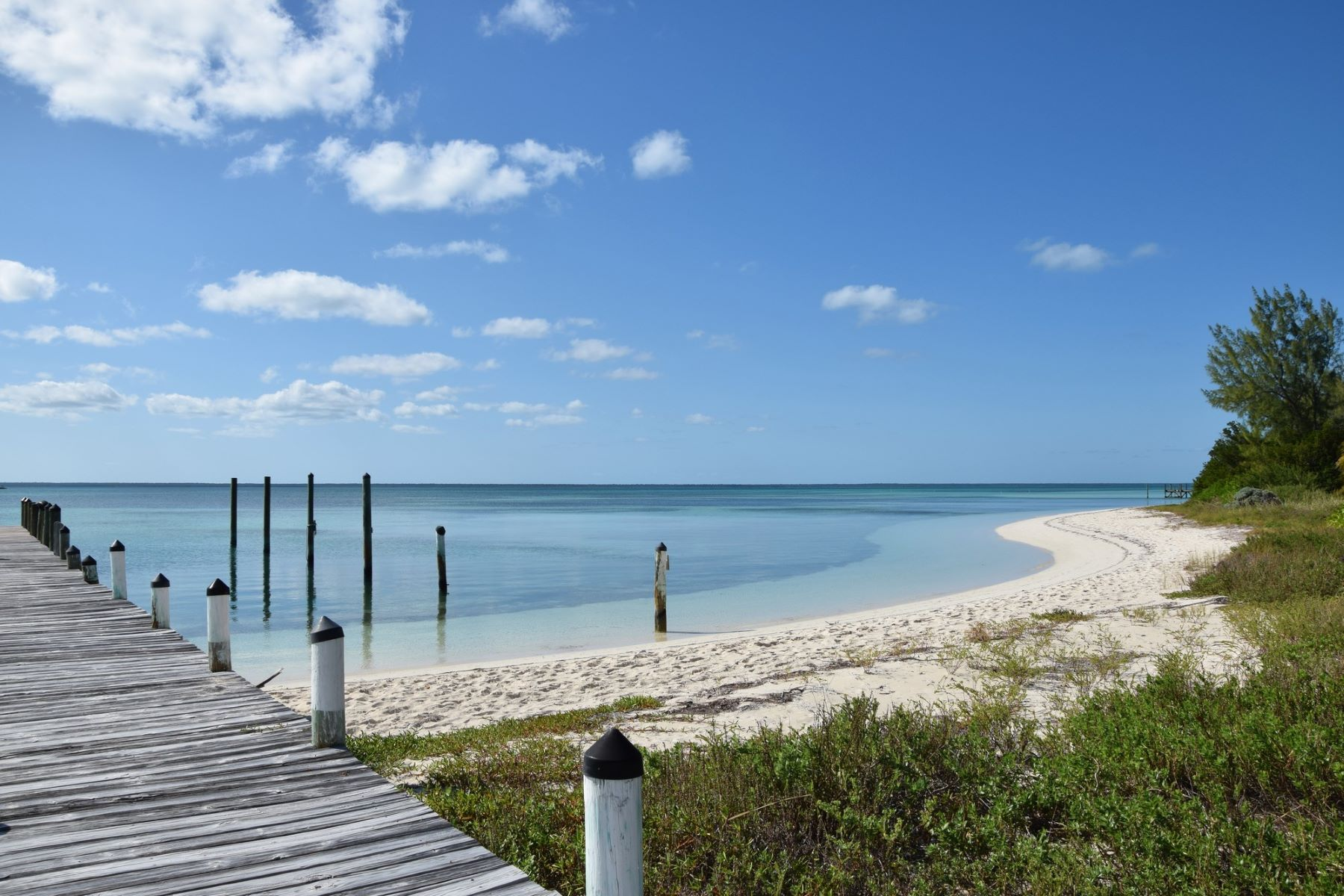 Additional photo for property listing at Conch Pearl Cottage Green Turtle Cay, Abaco Bahamas