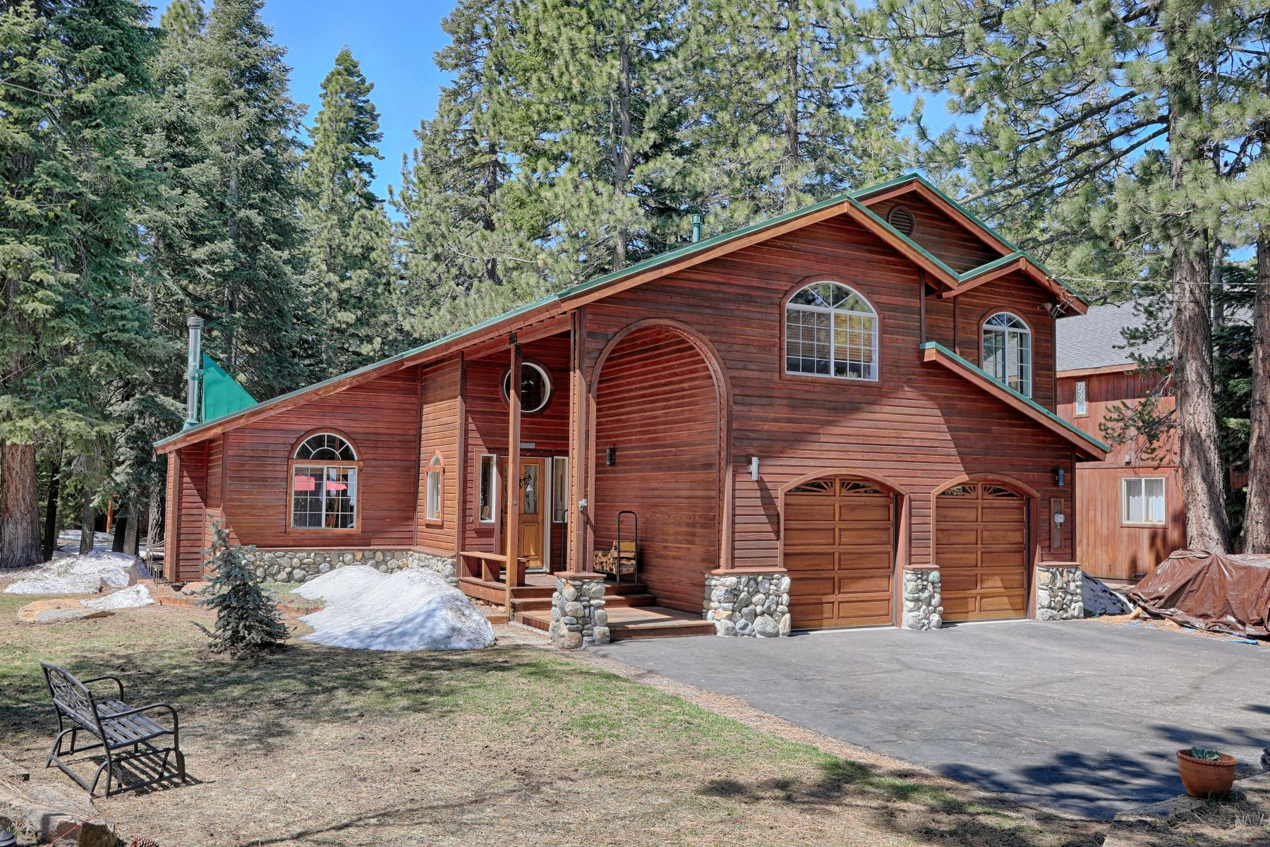 Additional photo for property listing at 14630 Tyrol Road, Truckee, CA, 96161 14630 Tyrol Road Truckee, California 96161 United States
