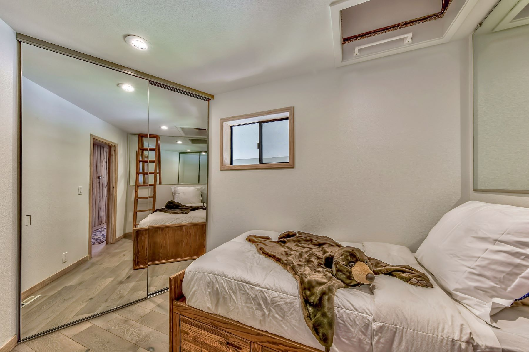 Additional photo for property listing at 600 Alpine Dr., South Lake Tahoe, Ca 96150 600 Alpine Drive 南太浩湖, 加利福尼亚州 96150 美国
