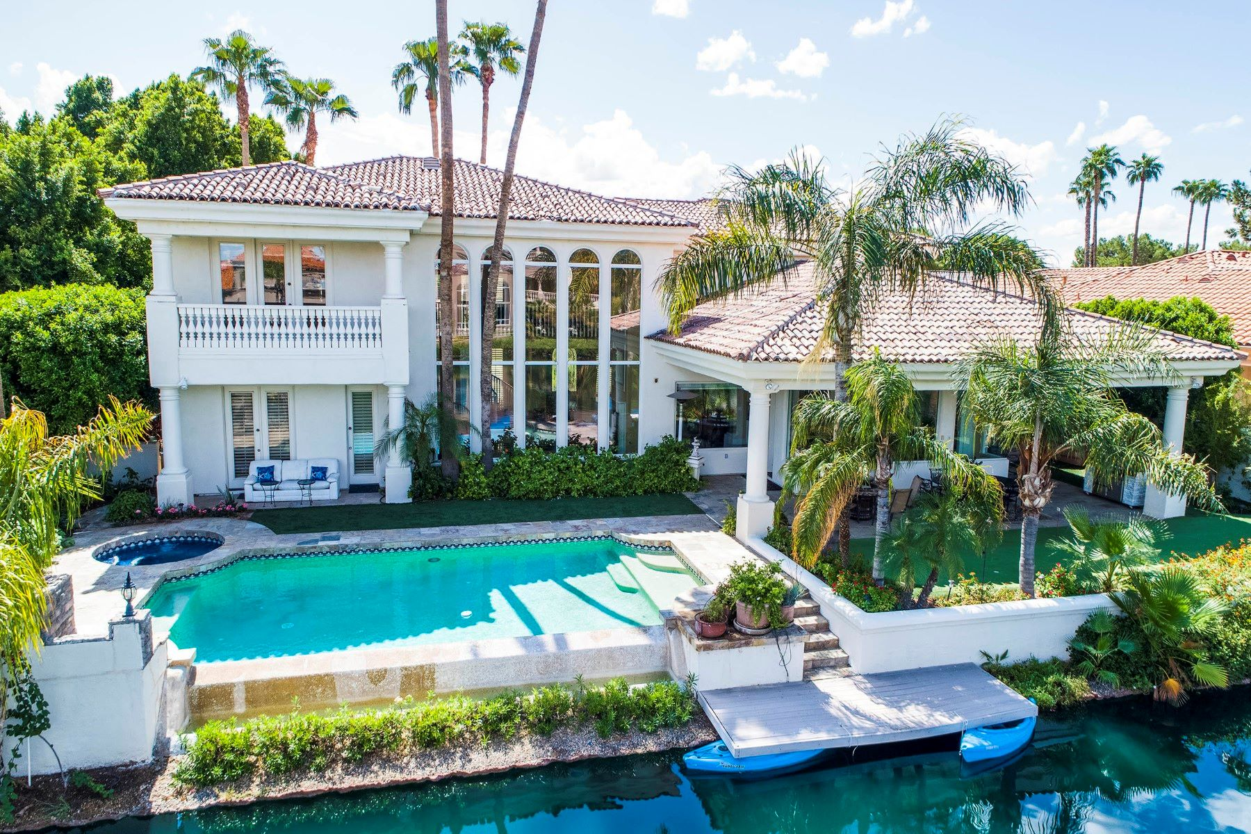 Single Family Homes for Sale at West Lake Estates 1320 E TREASURE COVE DR Gilbert, Arizona 85234 United States