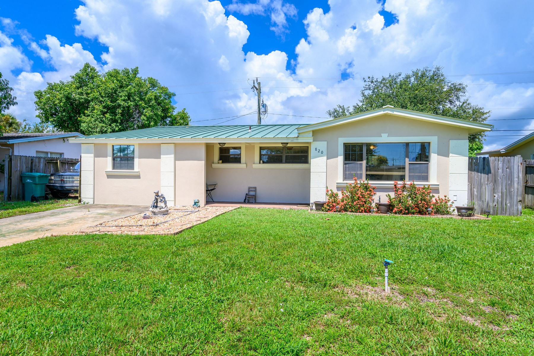 Additional photo for property listing at Remodeled & Inviting Home 820 Tupelo Drive Melbourne, Florida 32935 United States