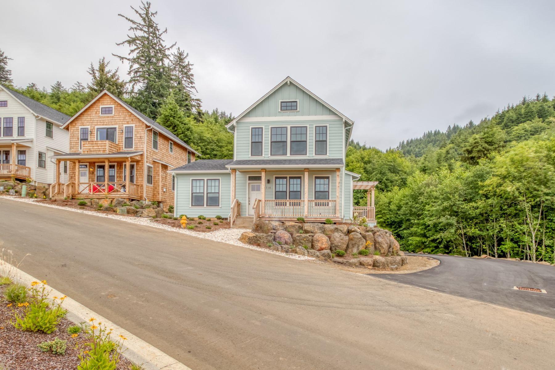 Single Family Homes pour l Vente à 710 NE LILLIAN LN LOT 6 LOT 6, Depoe Bay, Oregon 97341 États-Unis