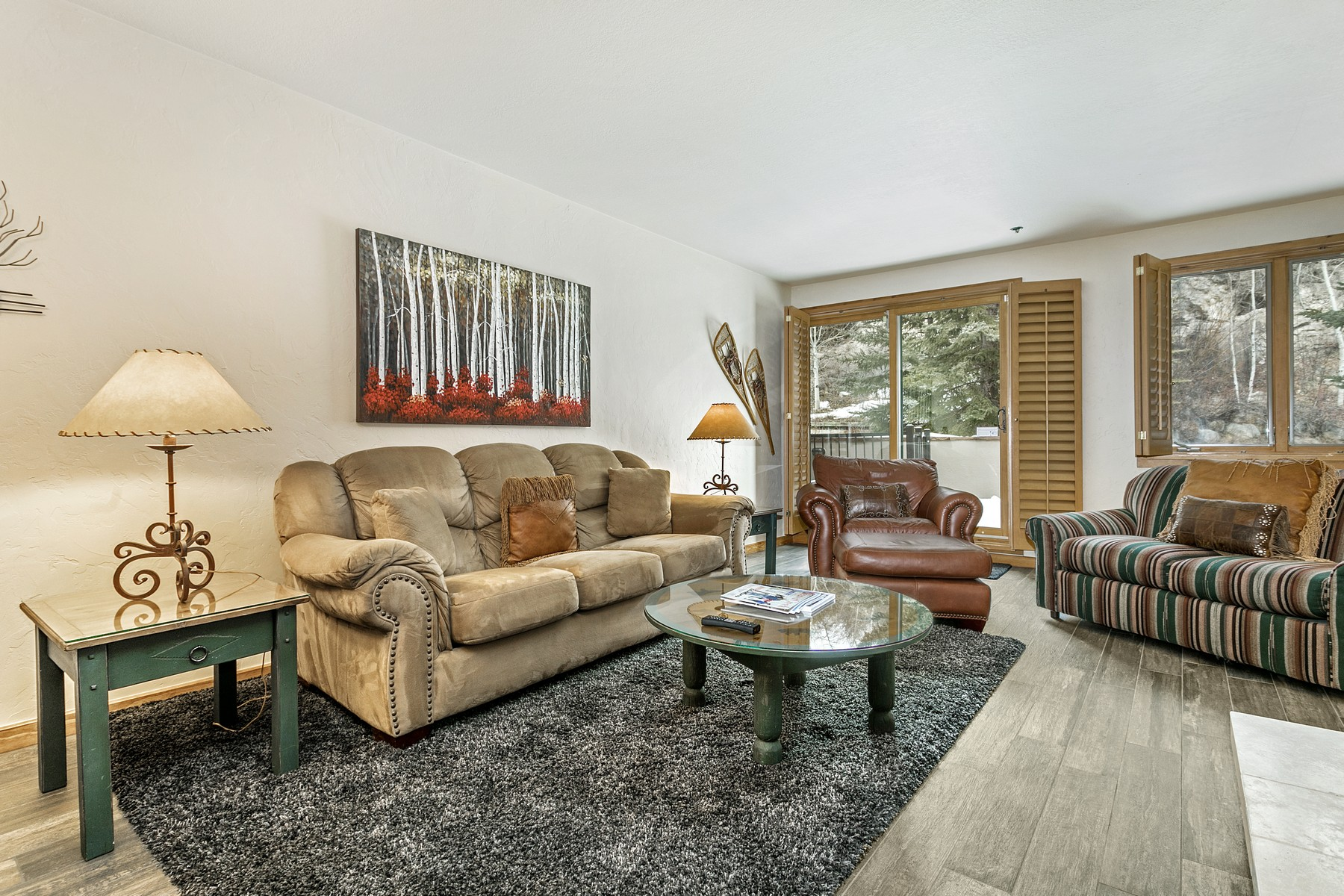 Additional photo for property listing at Turn-Key Beaver Creek Condo Overlooking Pool Deck 311 Offerson Road 234 Beaver Creek, Colorado 81620 United States