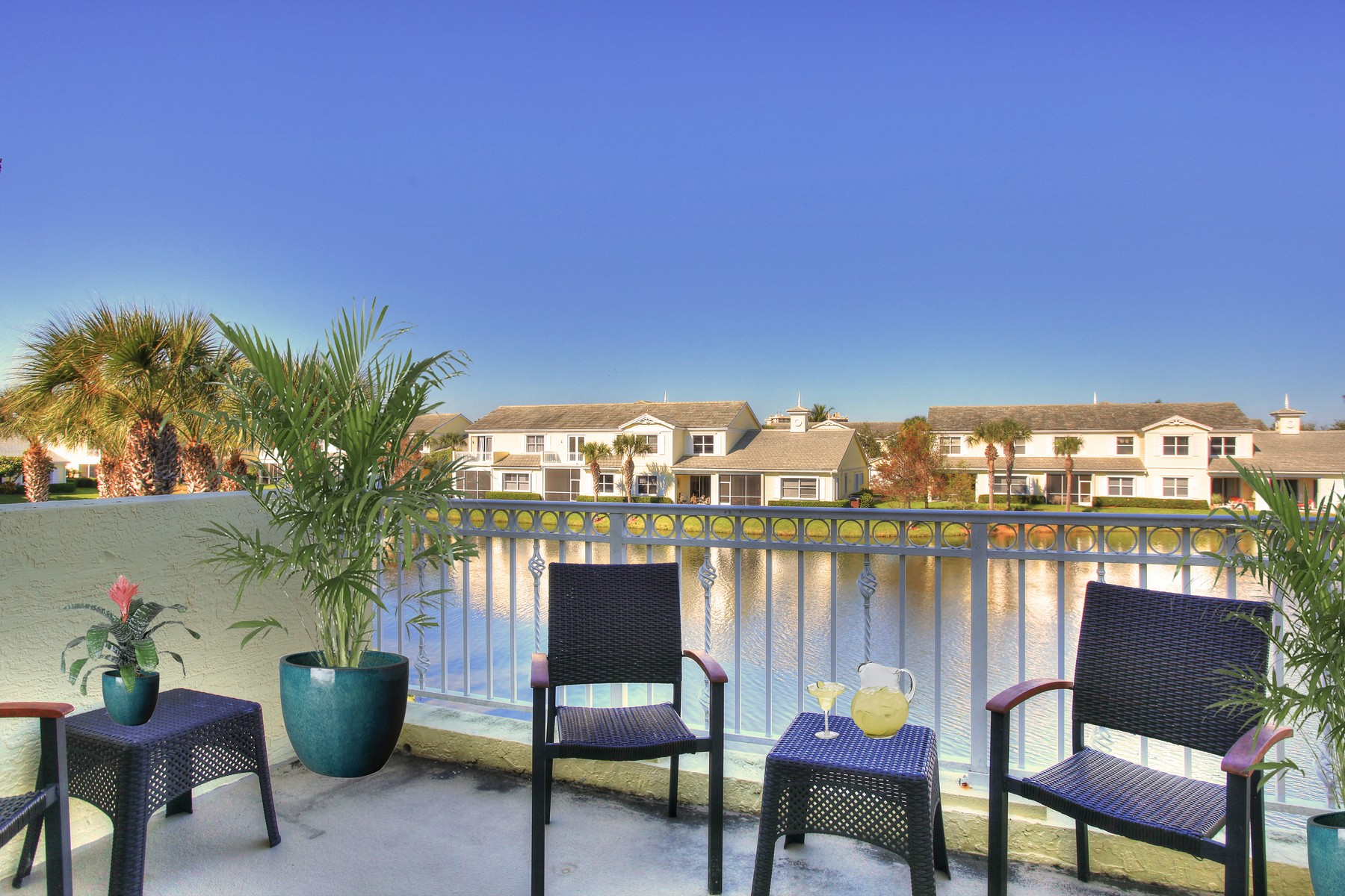 Single Family Homes for Sale at Large Four Bedroom Lakeside Townhome 1705 Mariner Bay Blvd Hutchinson Island, Florida 34949 United States