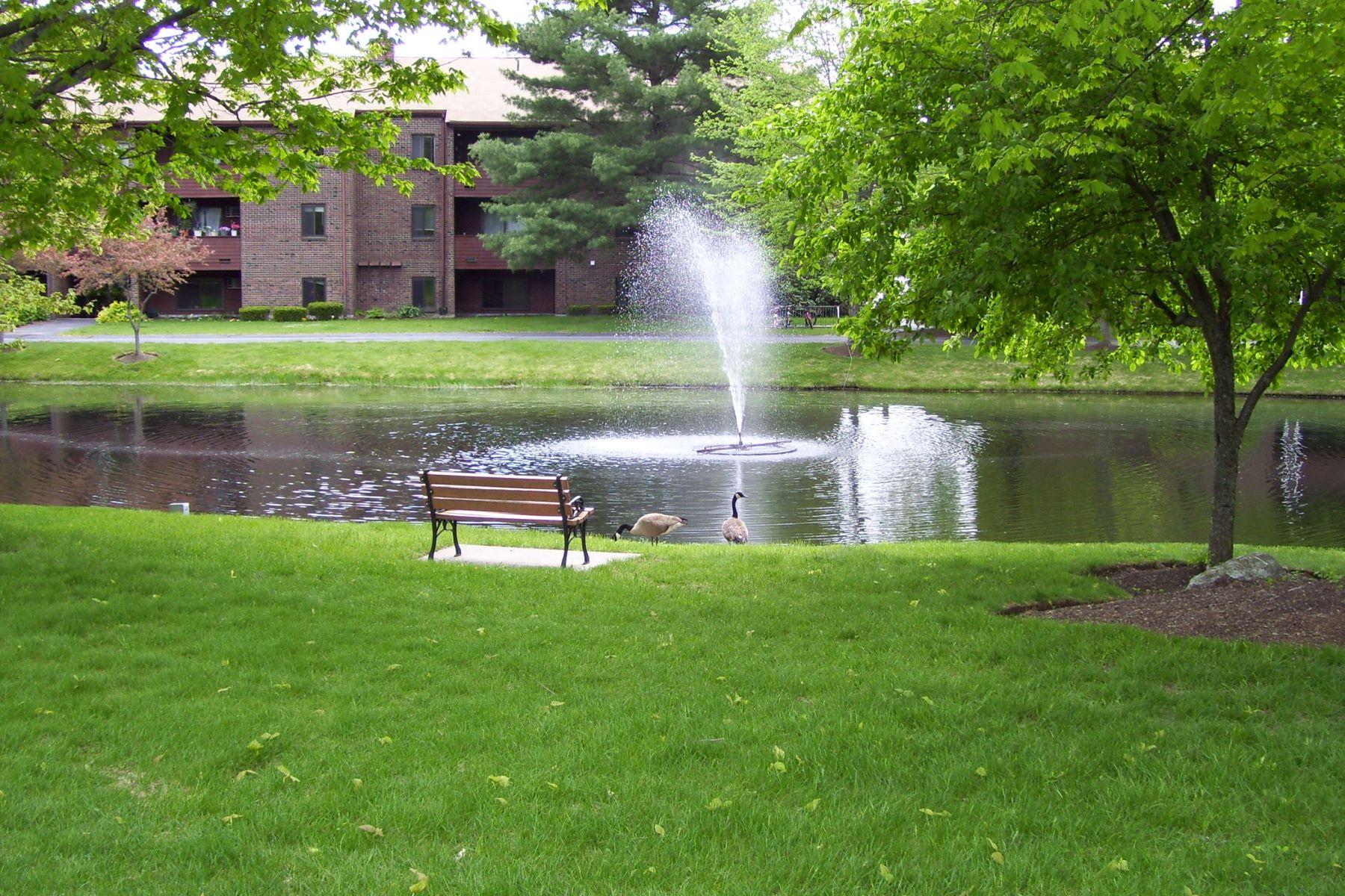 Condominiums para Venda às 19 Davis Rd, B12, Acton, Massachusetts 01720 Estados Unidos