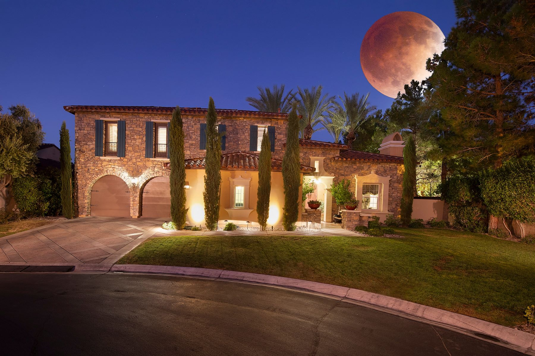 Single Family Homes for Active at 11866 Brigadoon Drive Las Vegas, Nevada 89141 United States