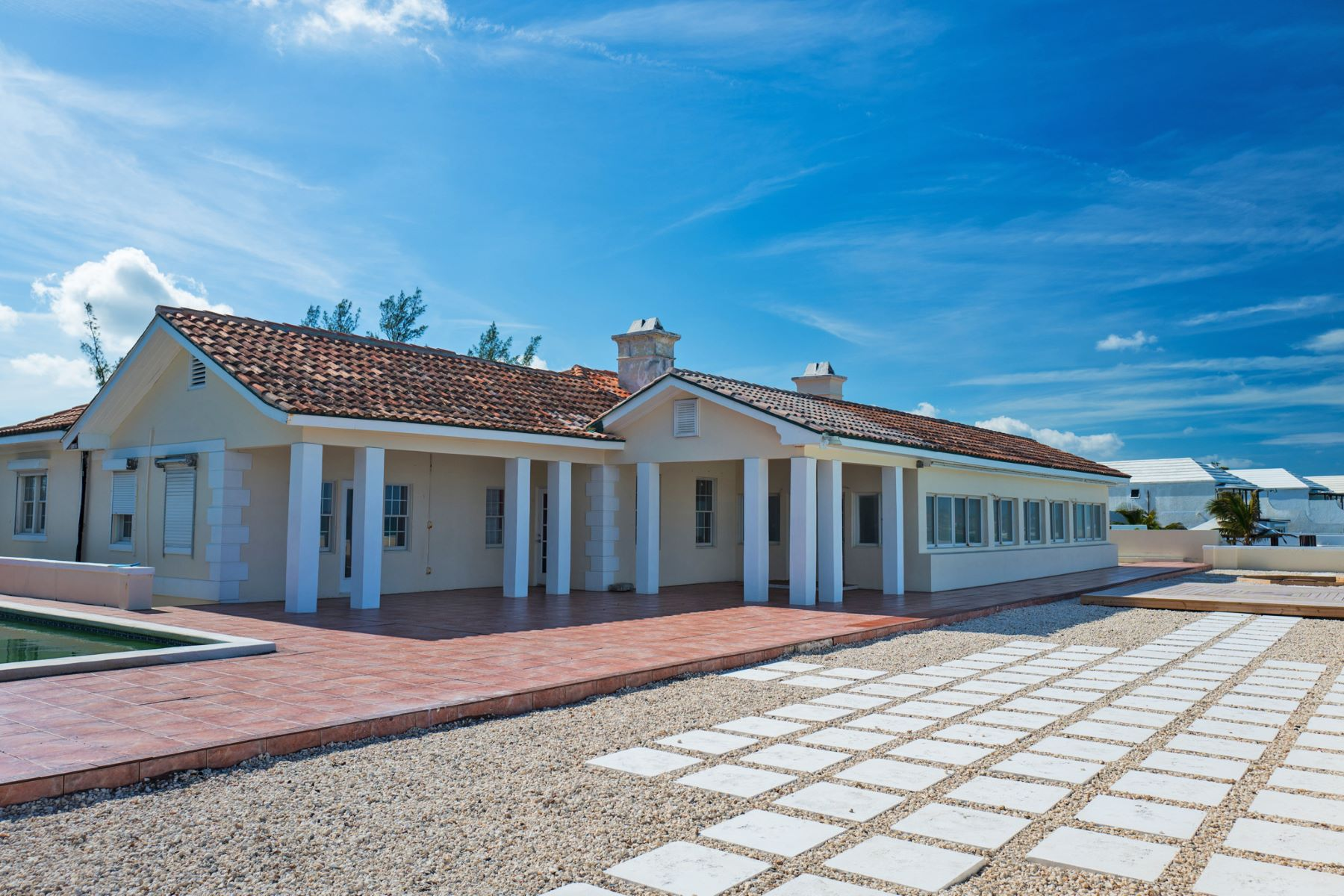 Additional photo for property listing at West Bay Street Opportunity in Cable Beach Cable Beach, New Providence/Nassau Bahamas