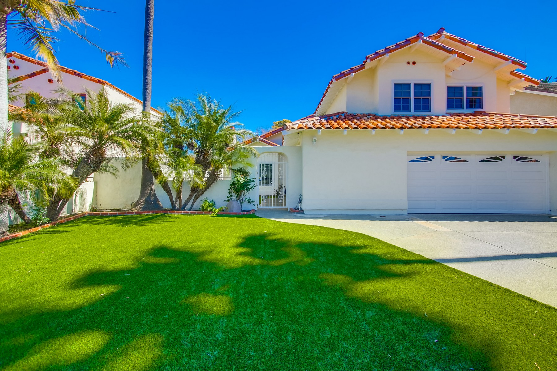 Частный односемейный дом для того Продажа на 921 Windflower 921 Windflower Way San Diego, Калифорния 92106 Соединенные Штаты