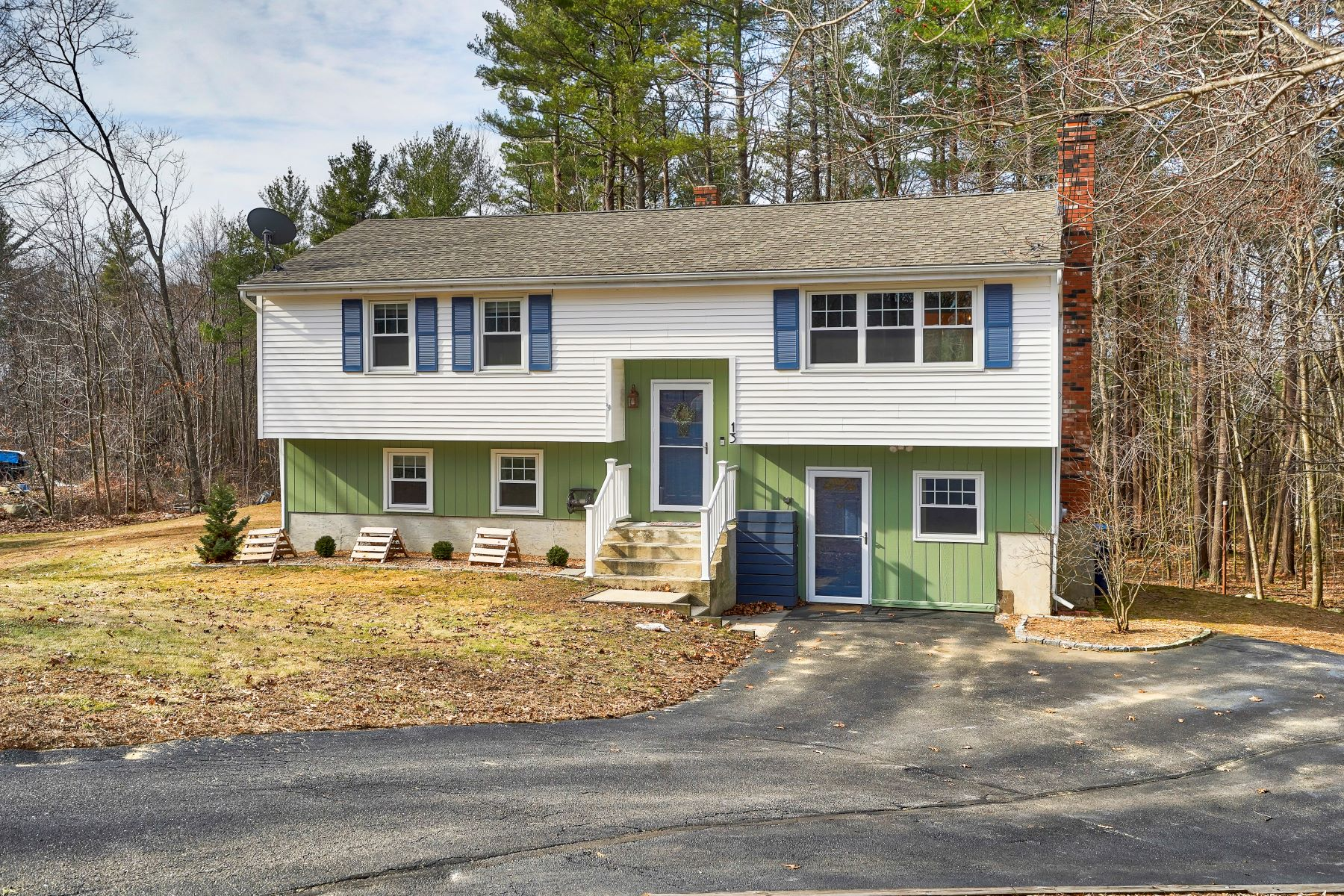 Single Family Homes for Sale at 13 Lubern Avenue Allenstown, New Hampshire 03275 United States