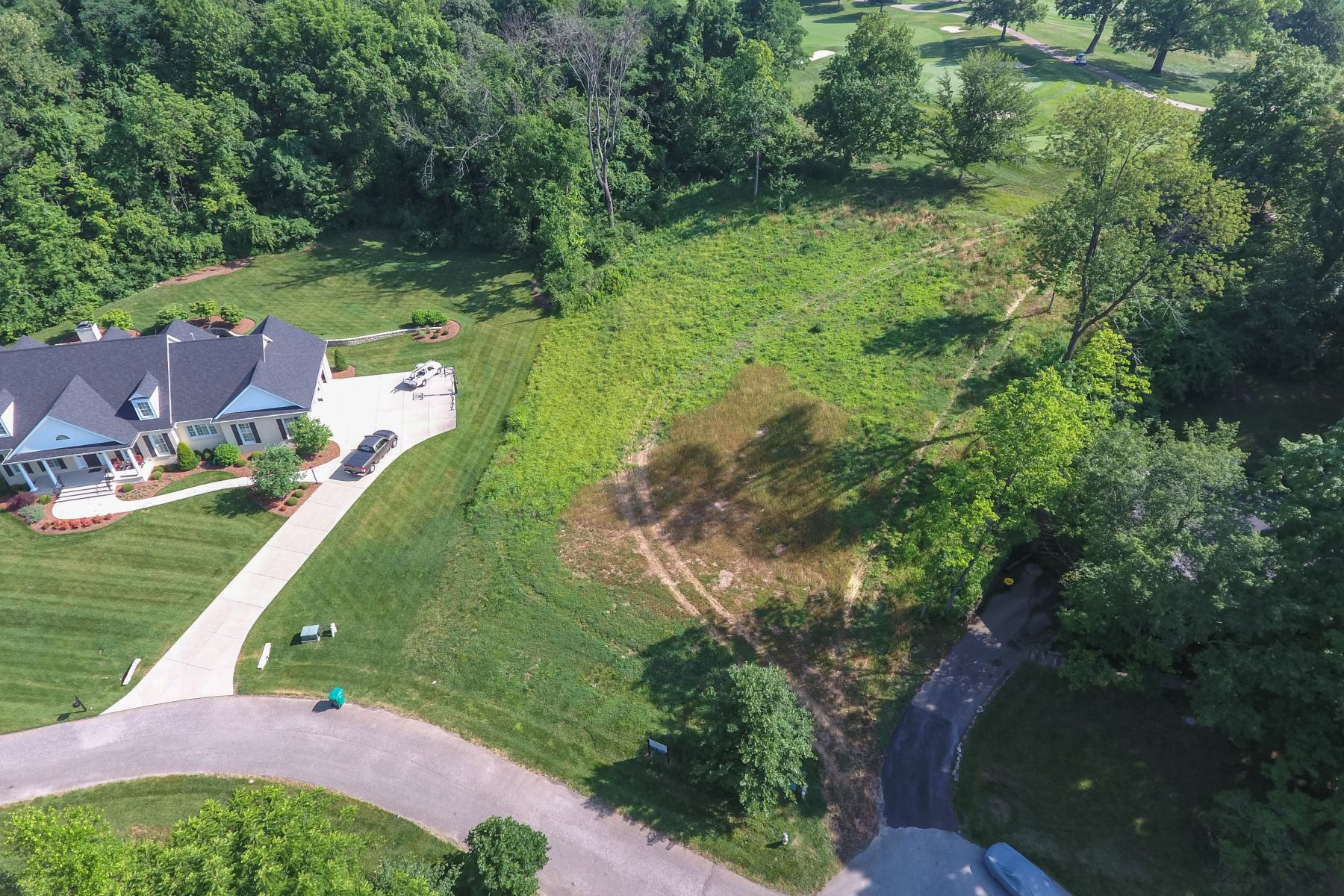 Additional photo for property listing at 531 Country Lane  Louisville, Kentucky 40207 United States