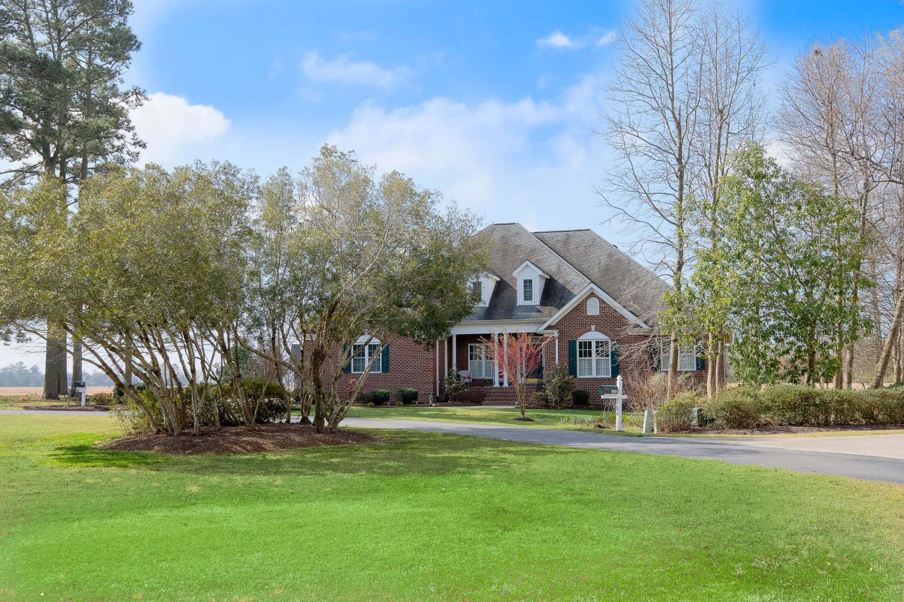 واحد منزل الأسرة للـ Sale في COMFORTABLE LIVING IN EDENTON BAY 104 Brickell's Glade Circle, Edenton, North Carolina, 27932 United States