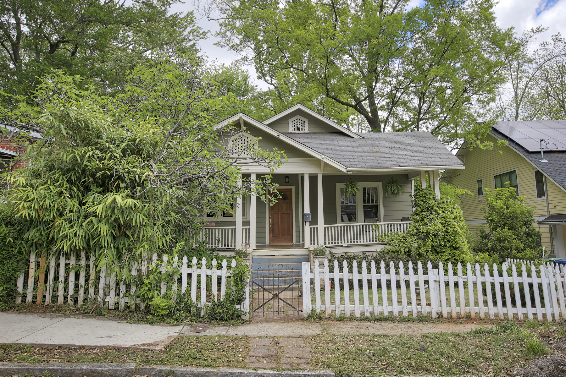 Single Family Home for Sale at Charming and Spacious Historic Grant Park Bungalow 676 Home Ave Atlanta, Georgia 30312 United States