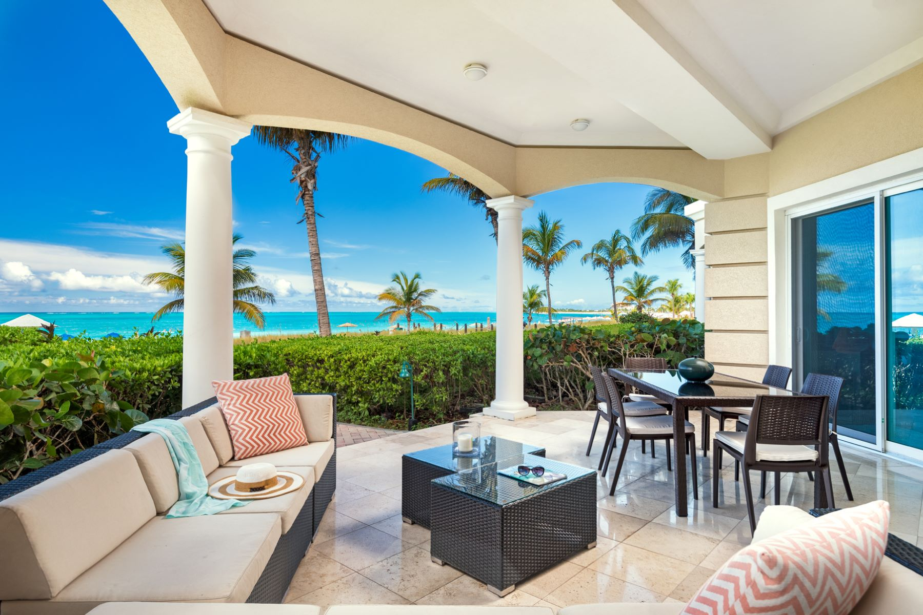 Additional photo for property listing at The Pinnacle Suite 107 Beachfront The Pinnacle 107 Grace Bay, Providenciales TCIBWI Turks And Caicos Islands