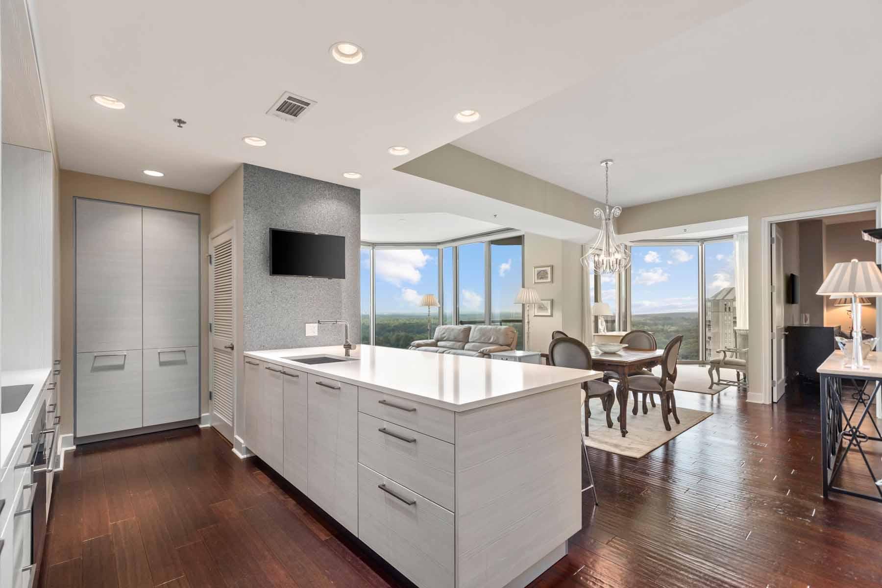 Condominiums для того Продажа на Exceptional Quality Buckhead Masterpiece 2795 Peachtree Road NE No. 2301, Atlanta, Джорджия 30305 Соединенные Штаты