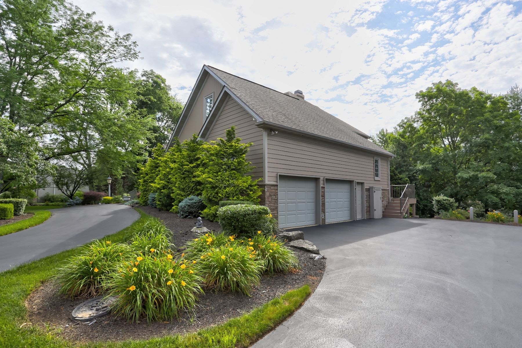 Additional photo for property listing at 354 N Farm Drive 354 N Farm Drive Lititz, 賓夕法尼亞州 17543 美國