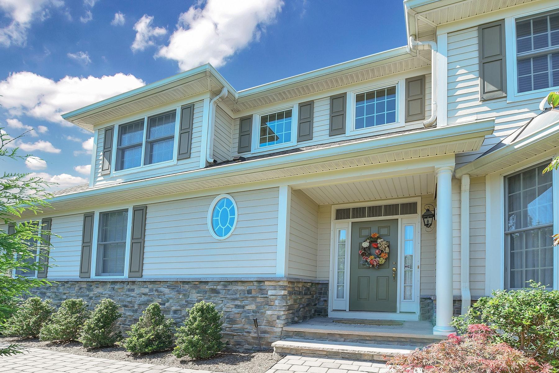 townhouses por un Venta en STUNNING 3/4 TURN KEY TH 8 Schindler Ct Upper Saddle River, Nueva Jersey 07458 Estados Unidos