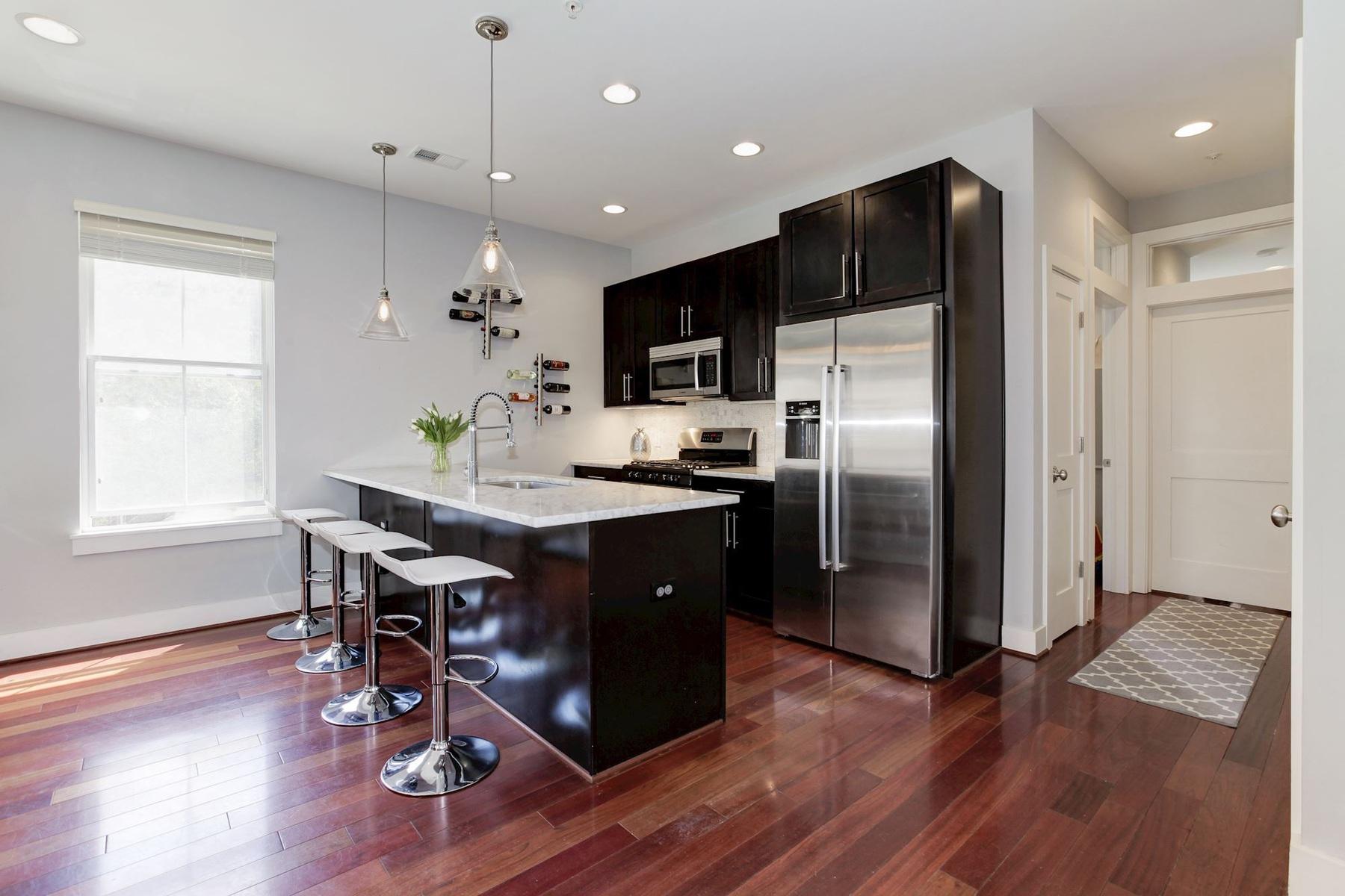 Condominio por un Venta en 1700 Euclid Street Nw B-3, Washington Washington, Distrito De Columbia, 20009 Estados Unidos