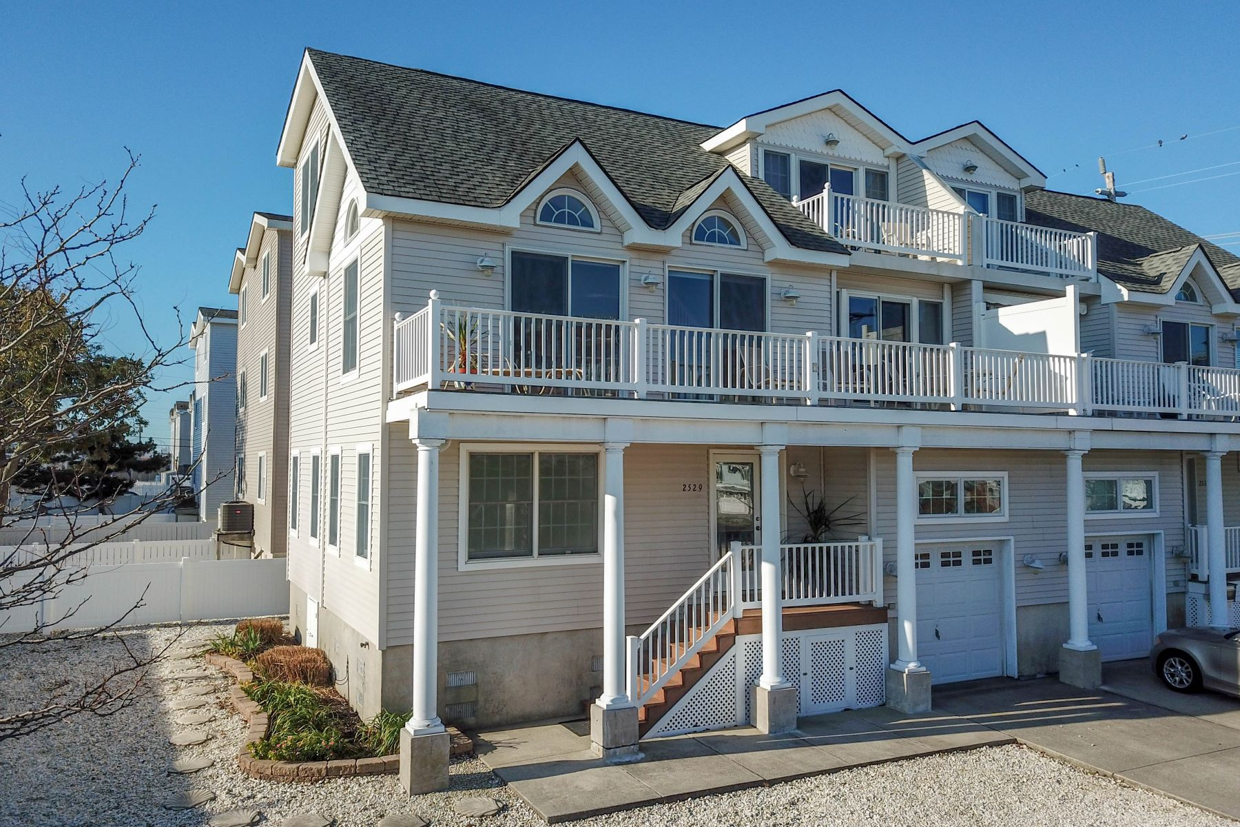 townhouses for Sale at Avalon Showplace Townhome 2529 Ocean Drive, Avalon, New Jersey 08202 United States
