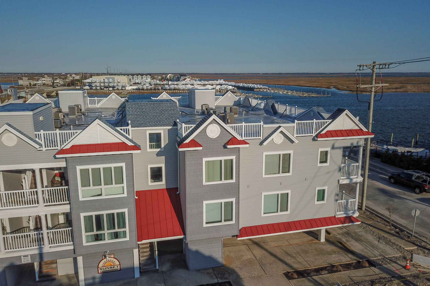 Townhouse for Sale at Life on the Bay! 9501 Sunset Drive Unit 7, Stone Harbor, New Jersey 08247 United States