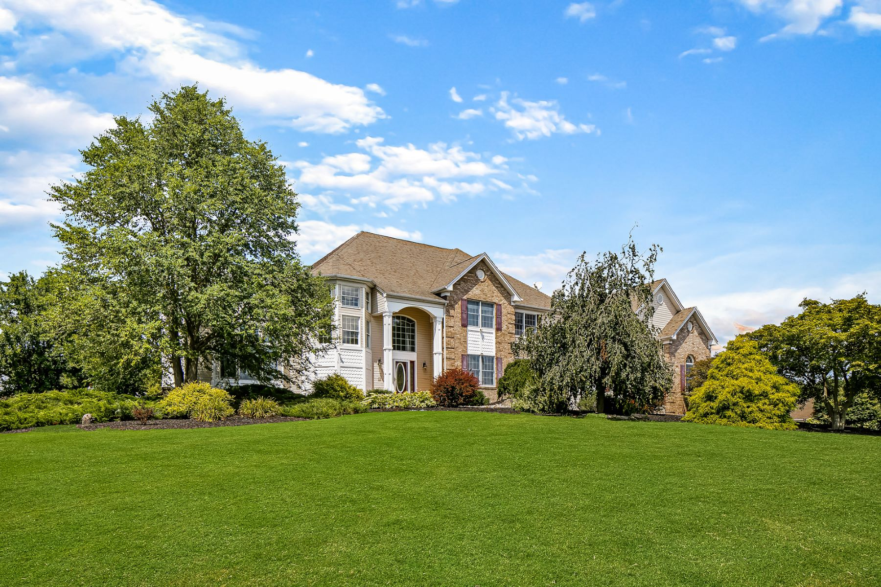 Single Family Homes for Active at Sophisticated Amwell Valley Retreat 109 Back Brook Road East Amwell Township, New Jersey 08551 United States