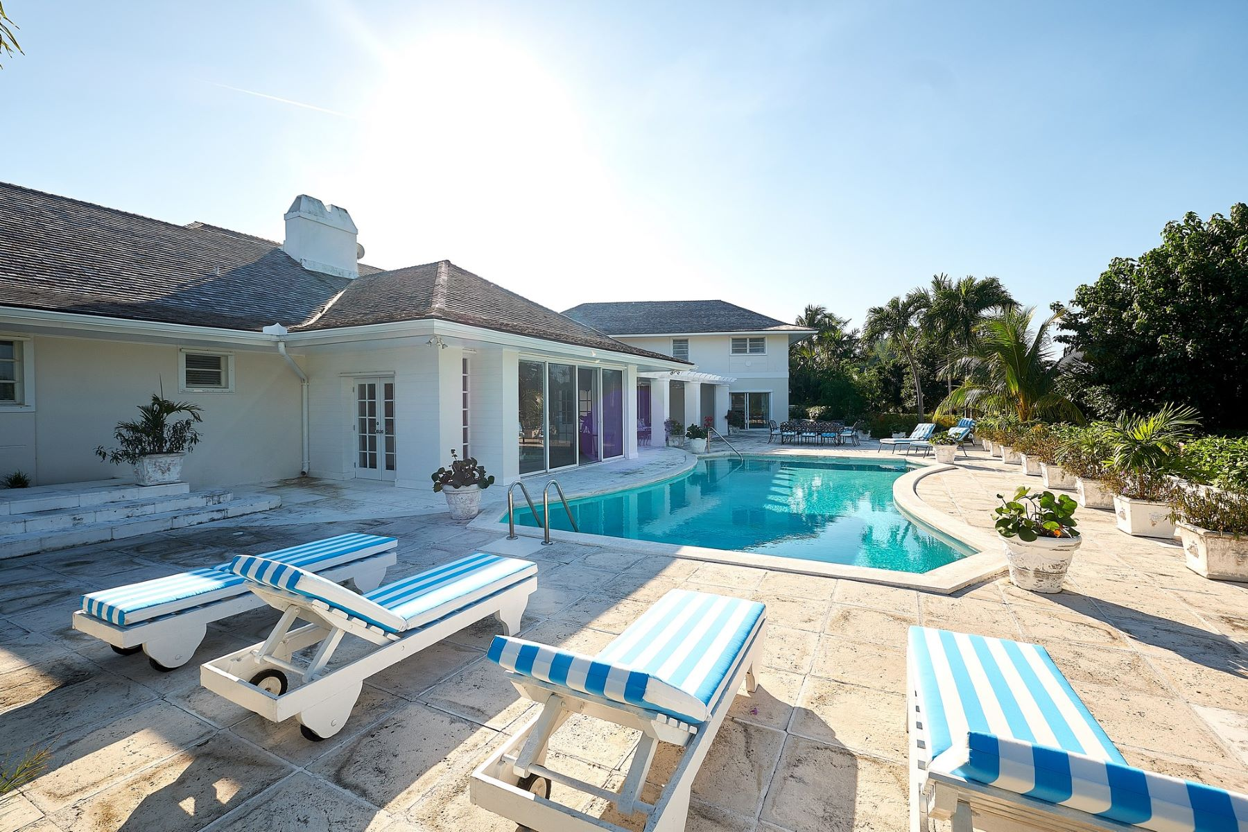 Single Family Home for Sale at A Little Bit of Heaven A little bit of heaven West Lyford Place Lyford Cay, Nassau And Paradise Island 0 Bahamas
