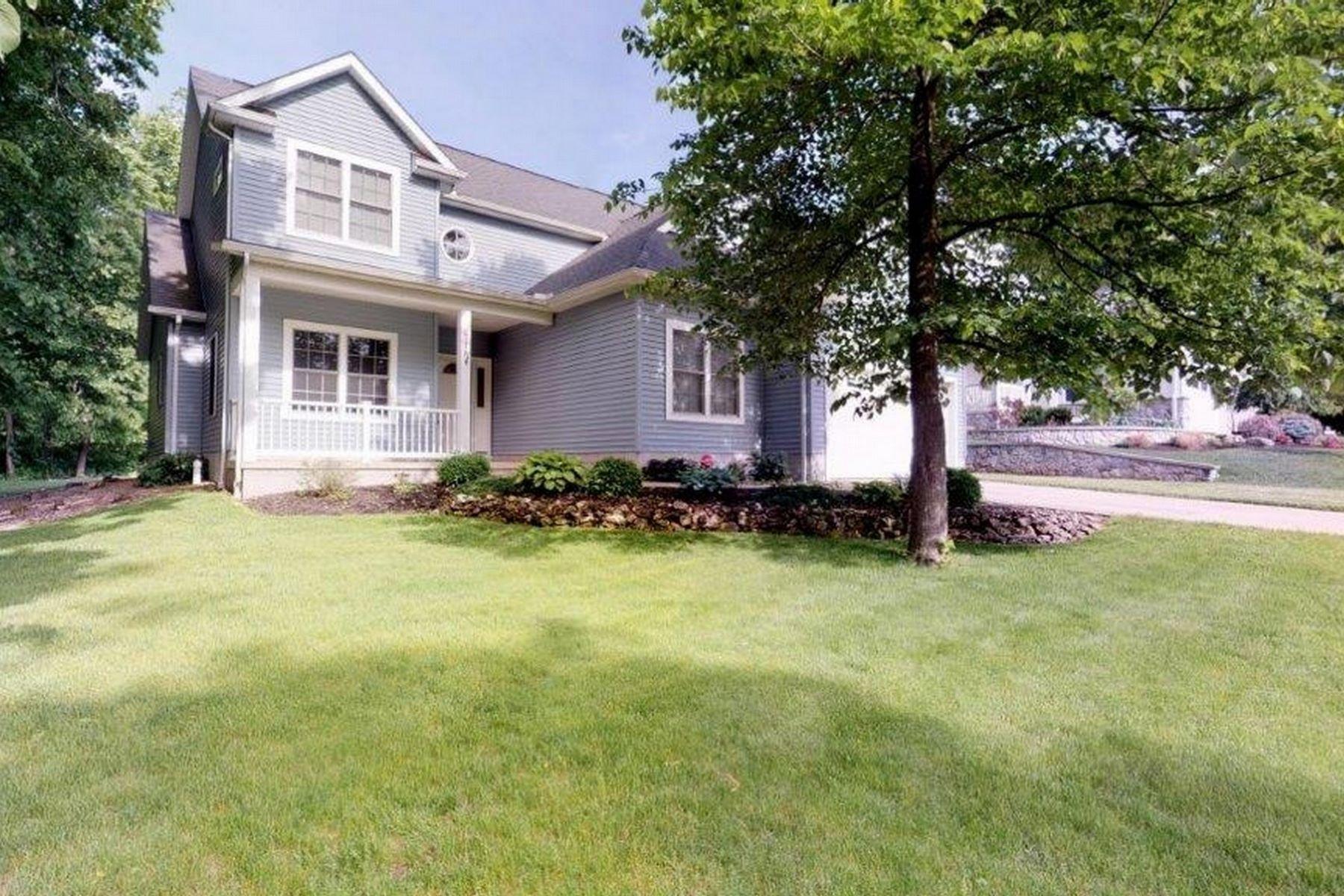 Single Family Homes for Sale at 715 Oak Avenue Lakeside, Ohio 43440 United States