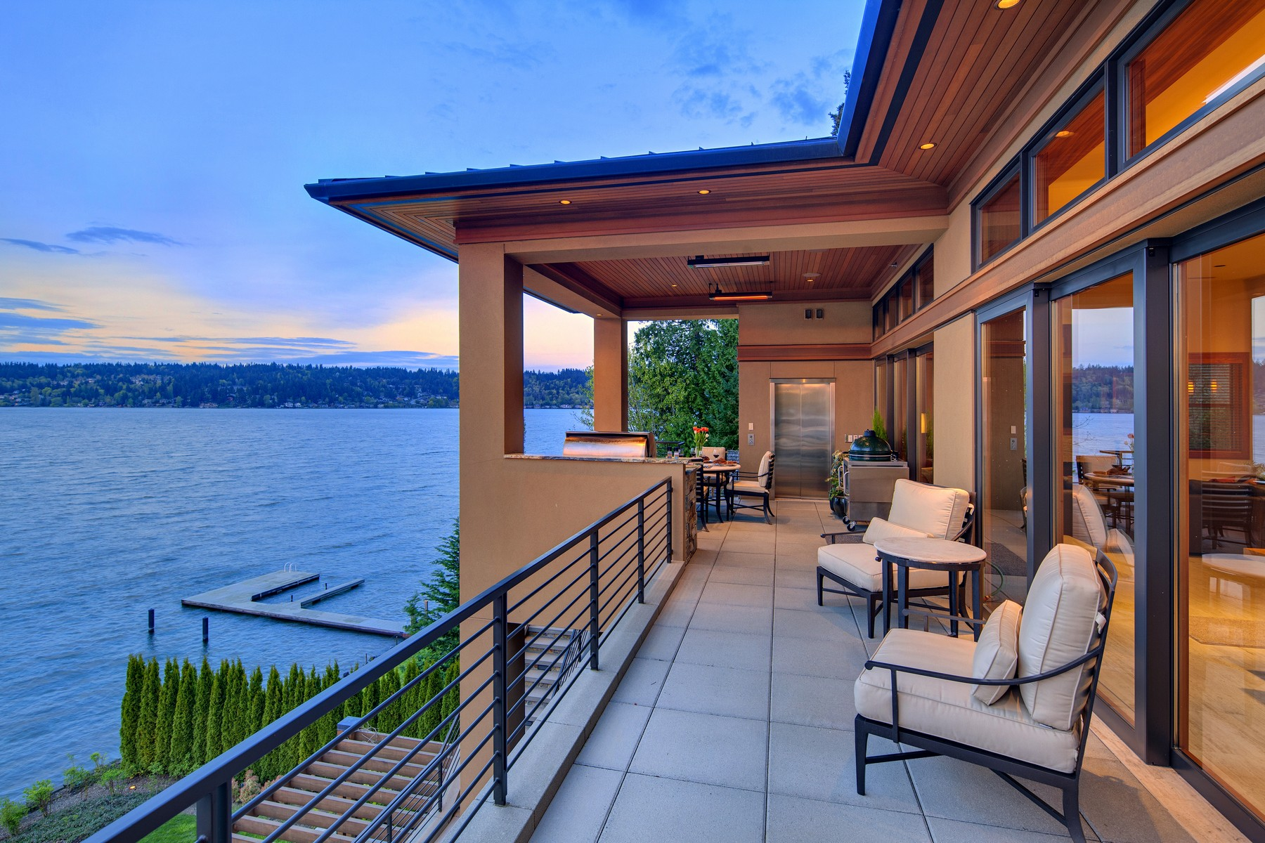 Additional photo for property listing at Lake Sammamish Estate 18110 SE 41st Lane Bellevue, Washington 98008 United States