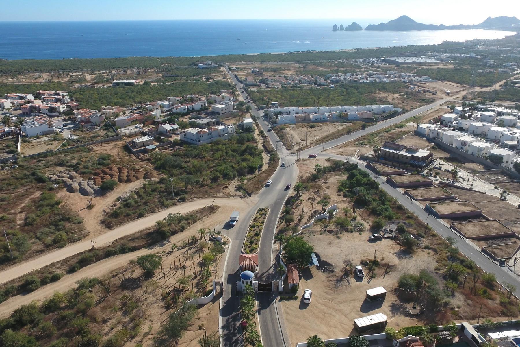 Additional photo for property listing at Lote 8A Rancho Paraiso Lote 8A Privada Del Azabache Cabo San Lucas, Baja California Sur 23454 Mexico