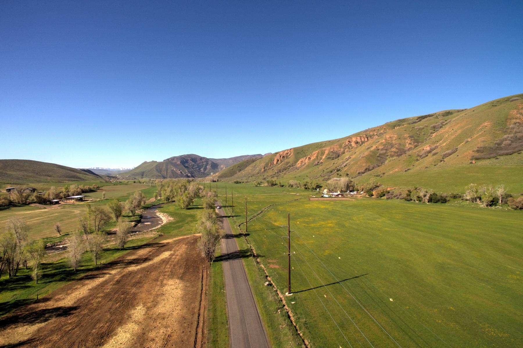 Granjas / Hacienda / Platanción por un Venta en Peaceful 21.42 Acre Farm Parcel in Croydon That is Close to Everything! 21.42 Acres Croydon Croydon, Utah 84018 Estados Unidos