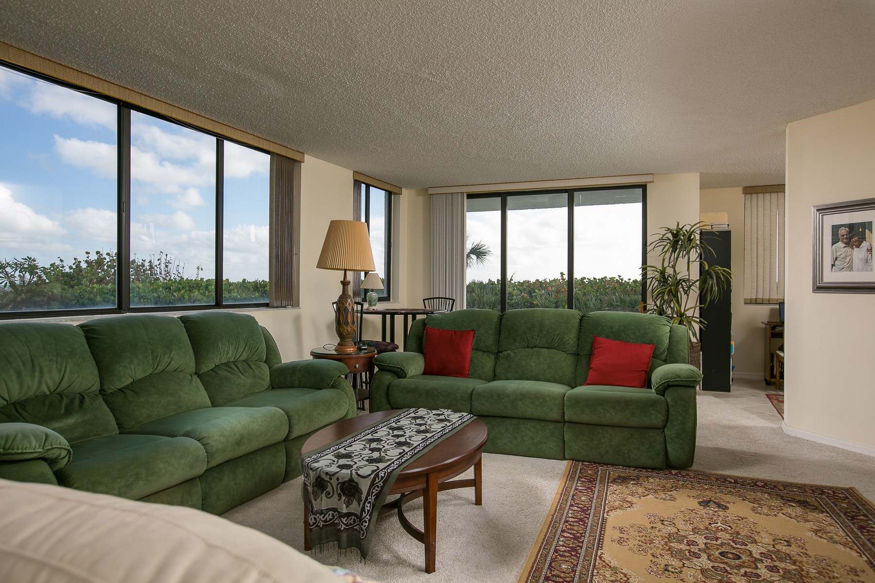 Additional photo for property listing at Oceanfront at Fountains Condo 5790 Highway A1A #3A Indian River Shores, Florida 32963 United States