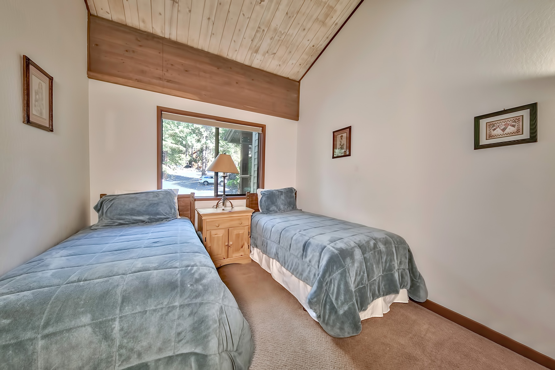 Additional photo for property listing at A premiere location in Brockway Springs 9200 Brockway Springs Drive #2 Kings Beach, California 96143 United States