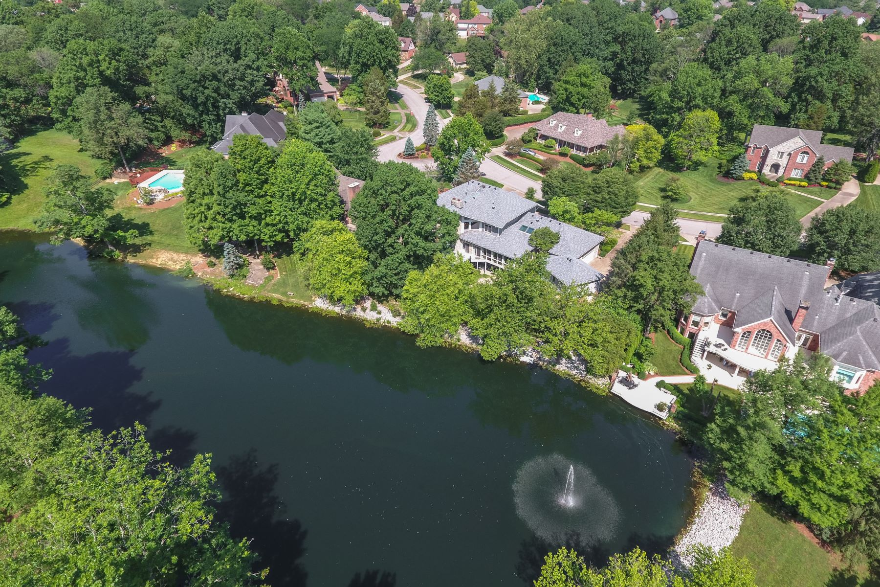 Additional photo for property listing at 603 Woodlake Drive  Louisville, Kentucky 40245 United States