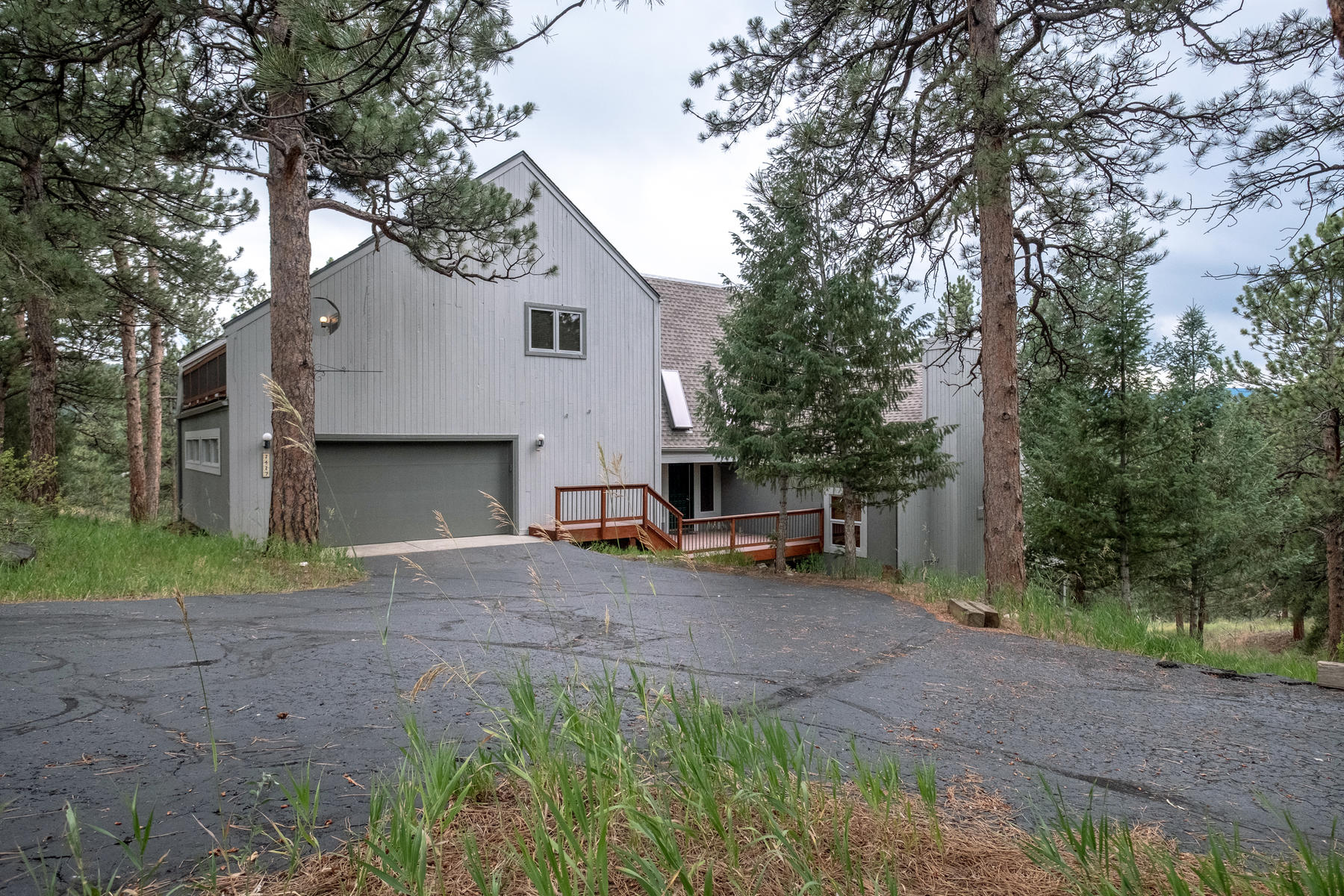 Single Family Homes for Sale at Tranquility Surrounded by Nature, Views, Privacy, Quietness 2427 Daisy Lane Golden, Colorado 80401 United States