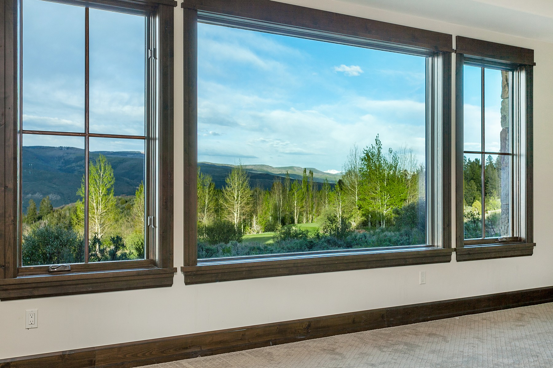 Additional photo for property listing at Spectacular new construction in Red Sky Ranch 94 Eagle Feather Drive Wolcott, Colorado 81655 United States