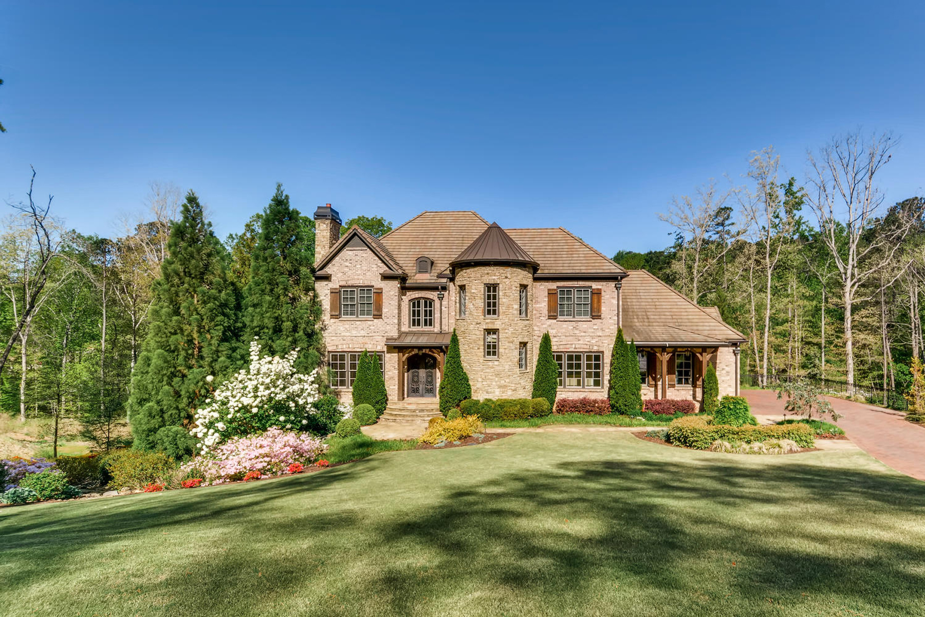 Single Family Home for Sale at Extraordinary Estate Living 9720 Almaviva Drive Johns Creek, Georgia 30022 United States