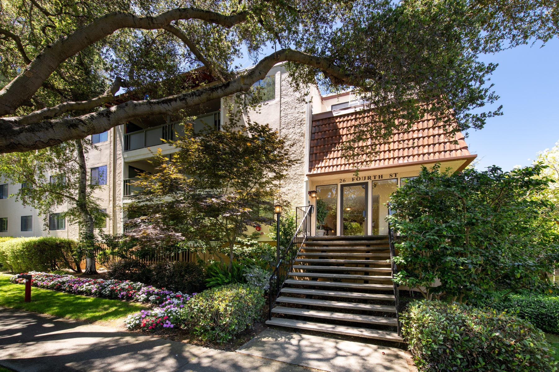 Condominiums for Sale at 26 4th Street #1 Los Altos, California 94022 United States