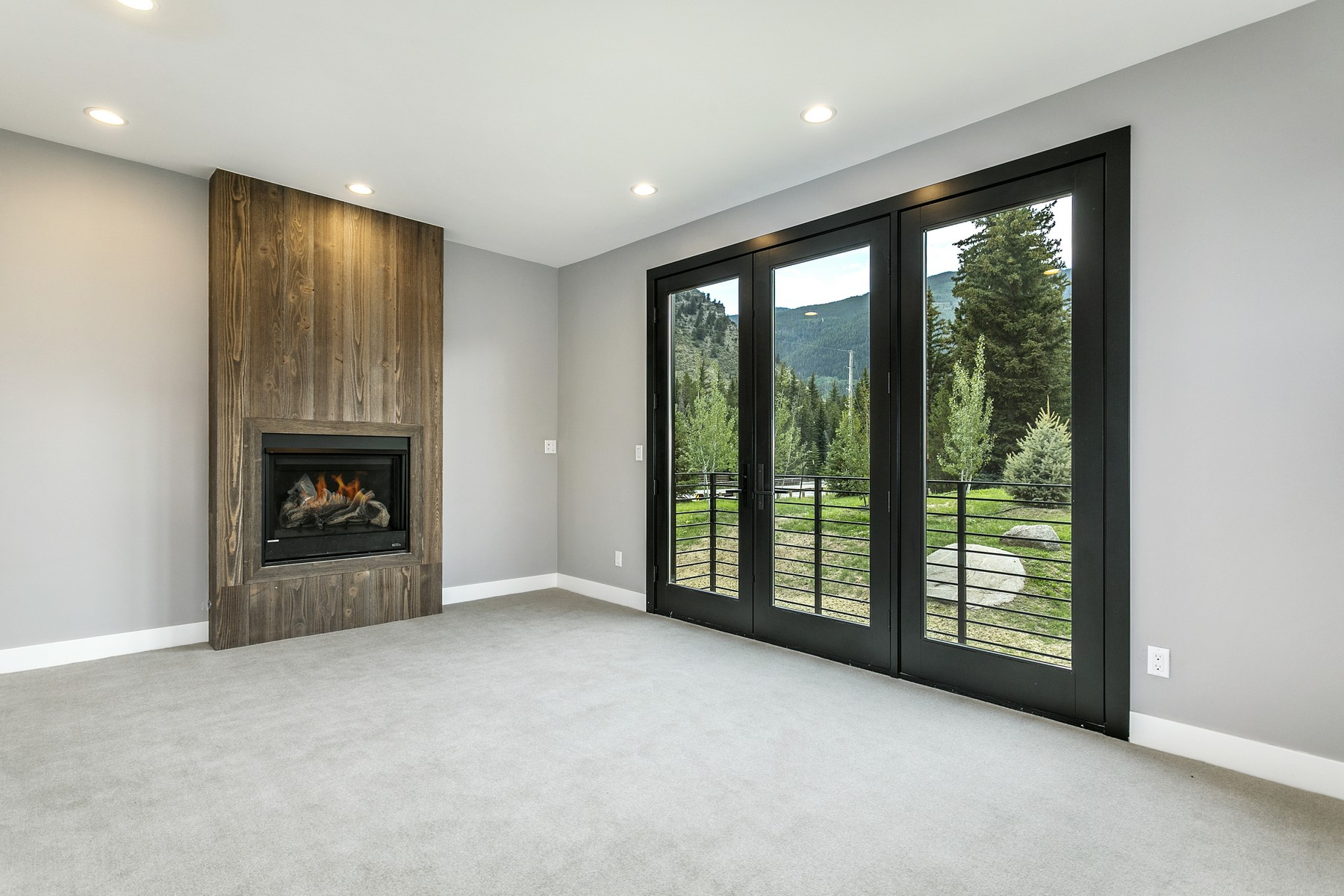 Additional photo for property listing at Ultimate mountain modern getaway on the southern edge of Minturn 1015 Two Elk Lane Minturn, Colorado 81645 United States