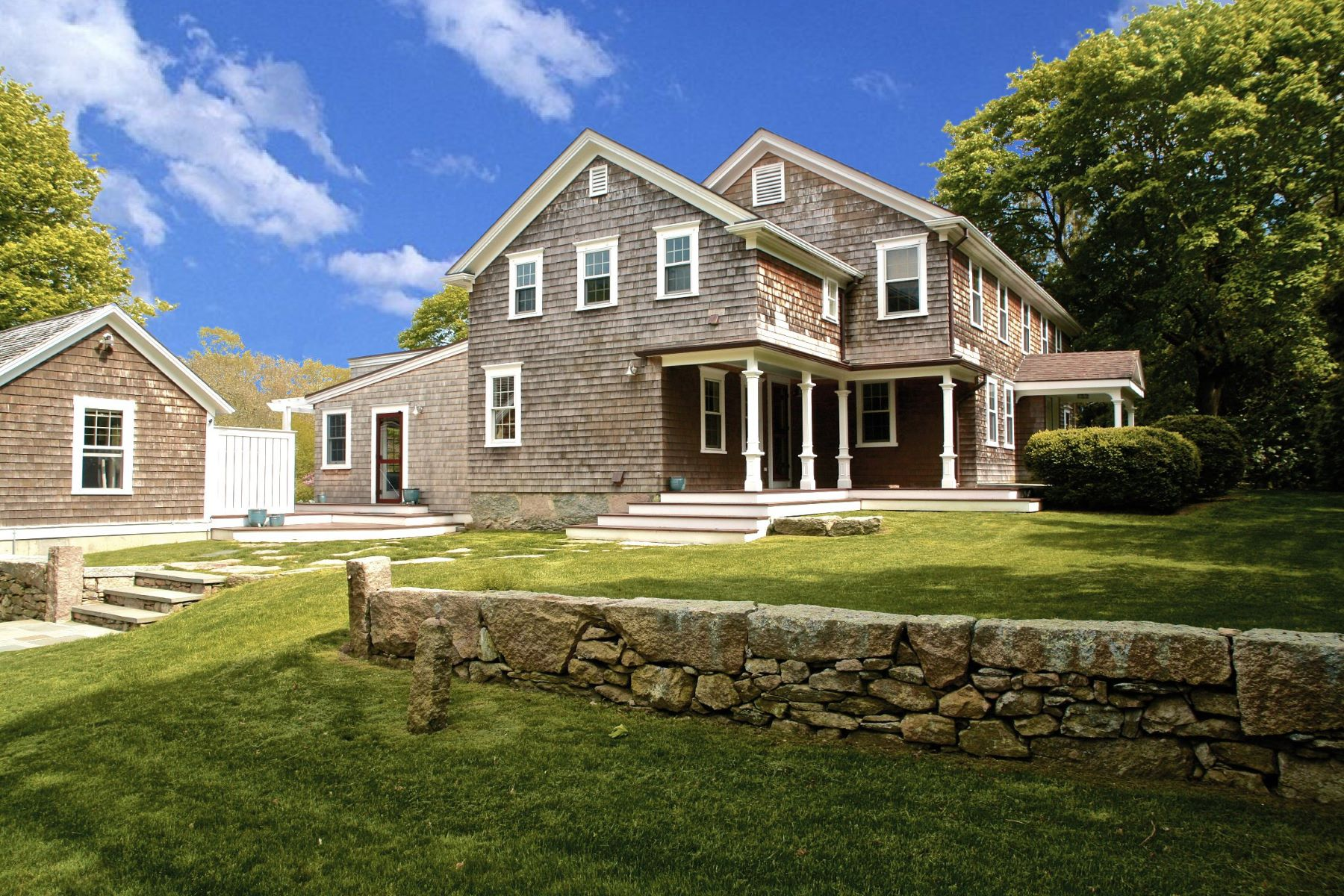 Single Family Homes por un Venta en The Moran House 238 Stone Church Road Tiverton, Rhode Island 02878 Estados Unidos