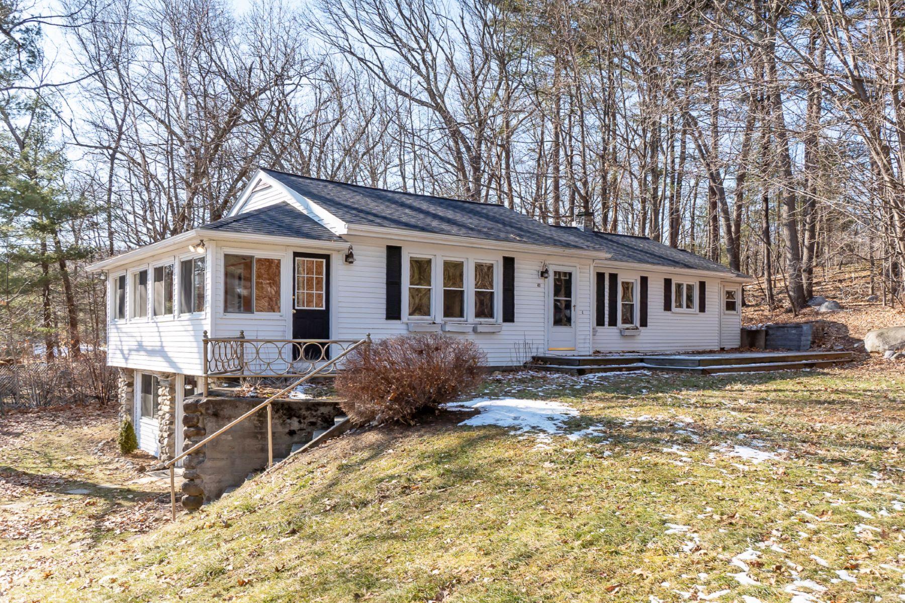 Single Family Homes 为 销售 在 47 Providence Road 韦斯特福德, 马萨诸塞州 01886 美国