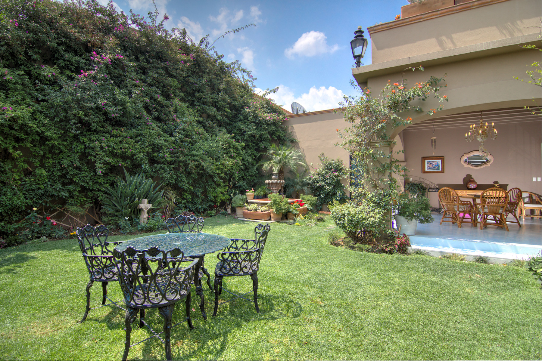 Additional photo for property listing at CASA DOS FUENTES Soledad 2 San Miguel De Allende, Guanajuato 32770 Mexico