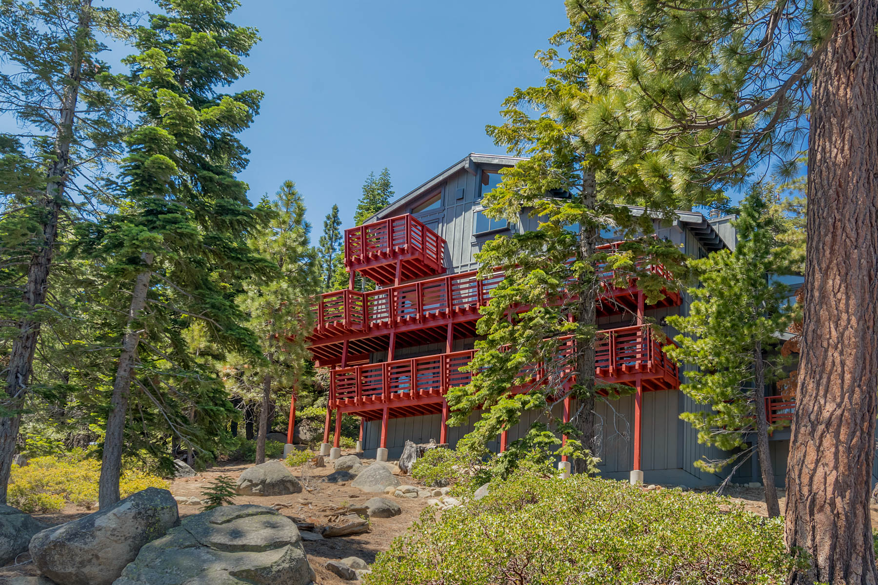 Additional photo for property listing at 8954 Crest Drive, Tahoma, CA 96142 8954 Crest Drive Tahoma, 加利福尼亚州 96142 美国