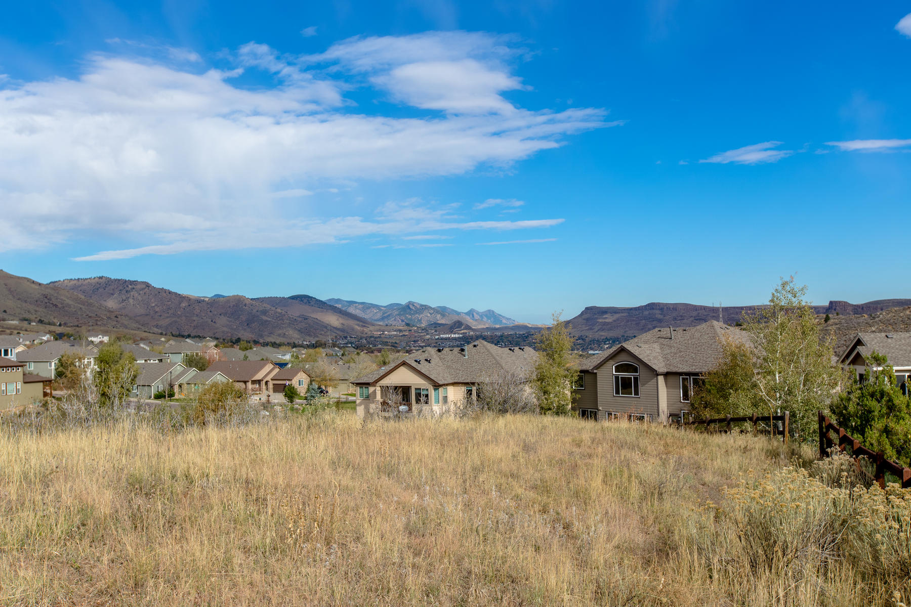 Additional photo for property listing at Amazing Mountain Views Backing to Open Space 525 Crawford Street Golden, Colorado 80401 United States