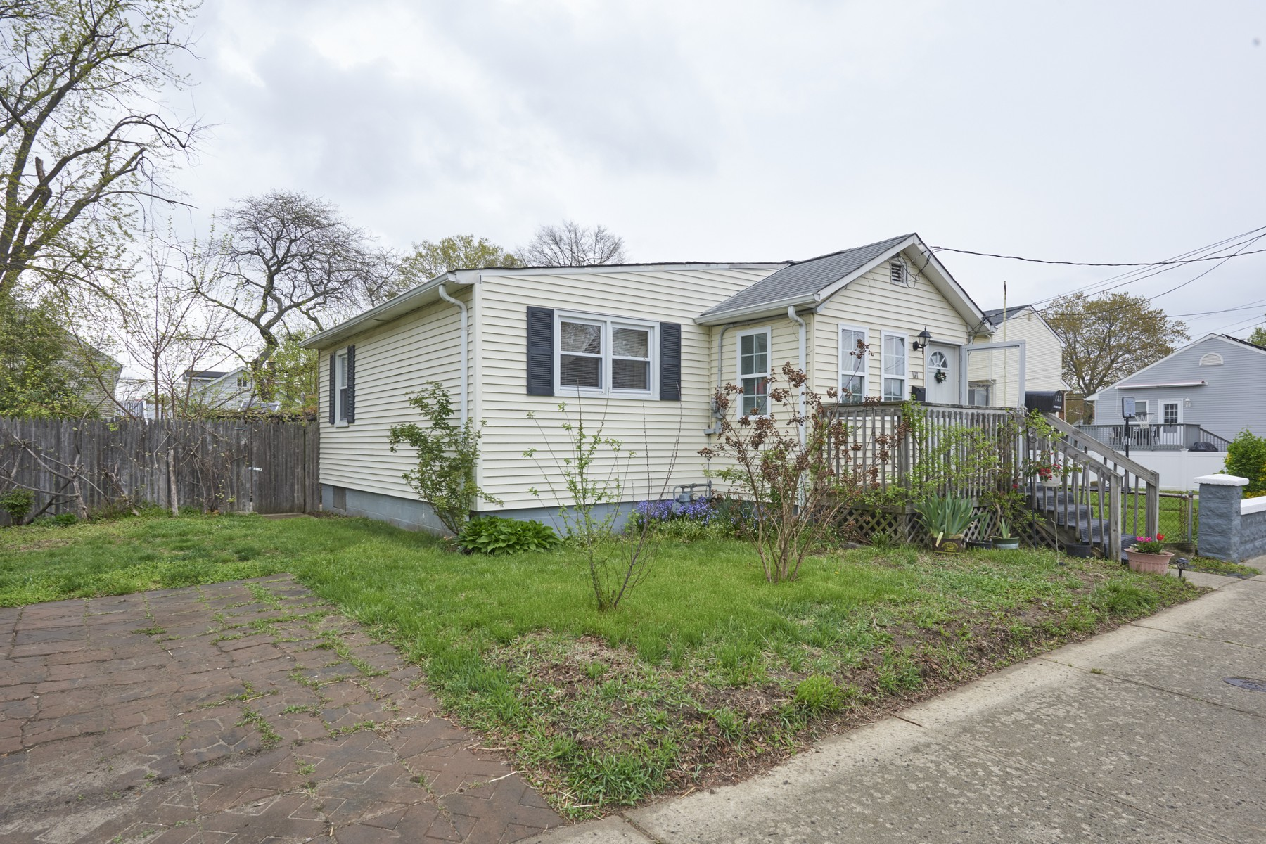 Single Family Homes for Sale at 137 Maple Avenue Keansburg, New Jersey 07734 United States