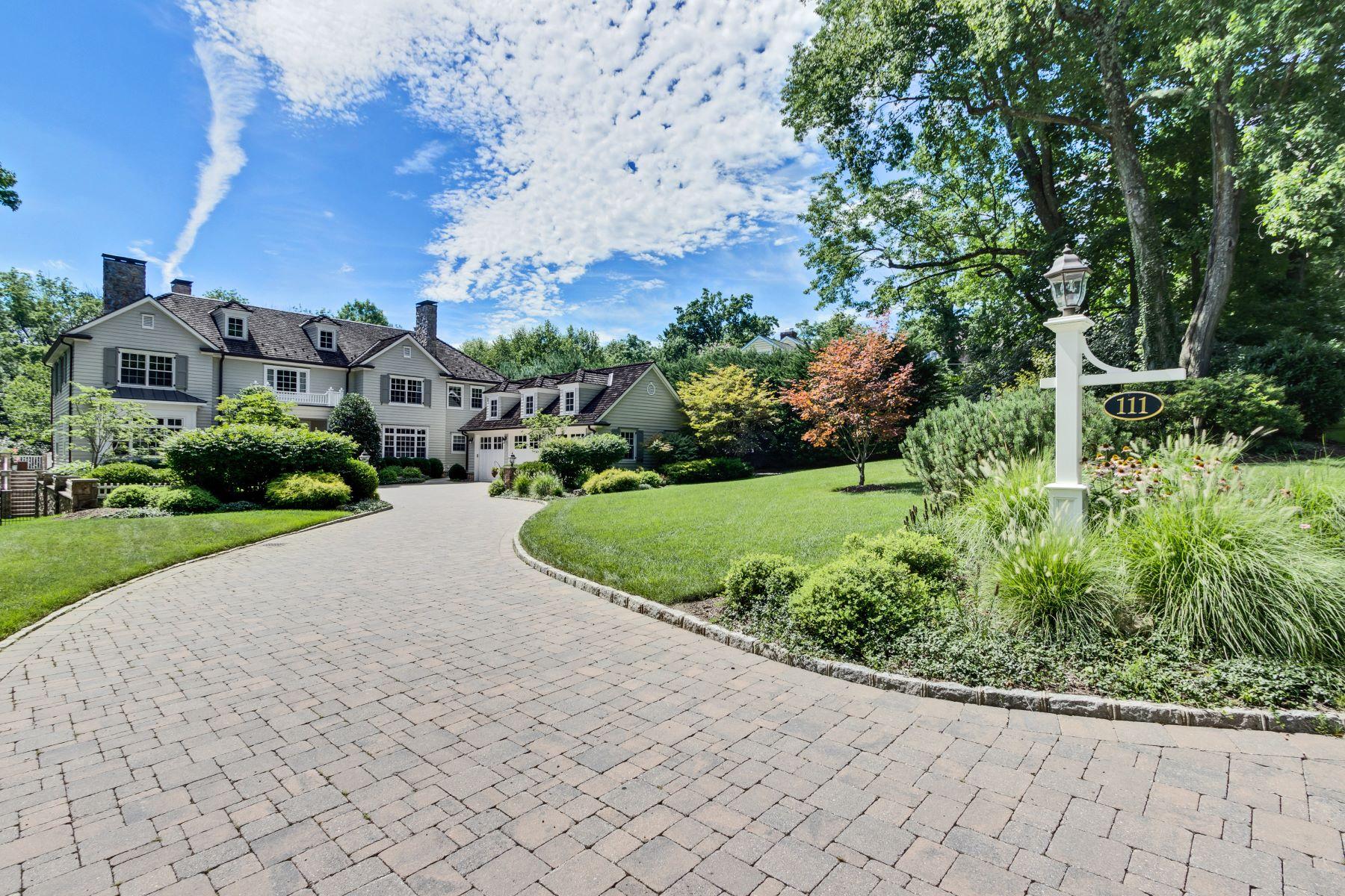 Enfamiljshus för Försäljning vid John James Custom Colonial 111 Farley Road, Short Hills, New Jersey 07078 Usa