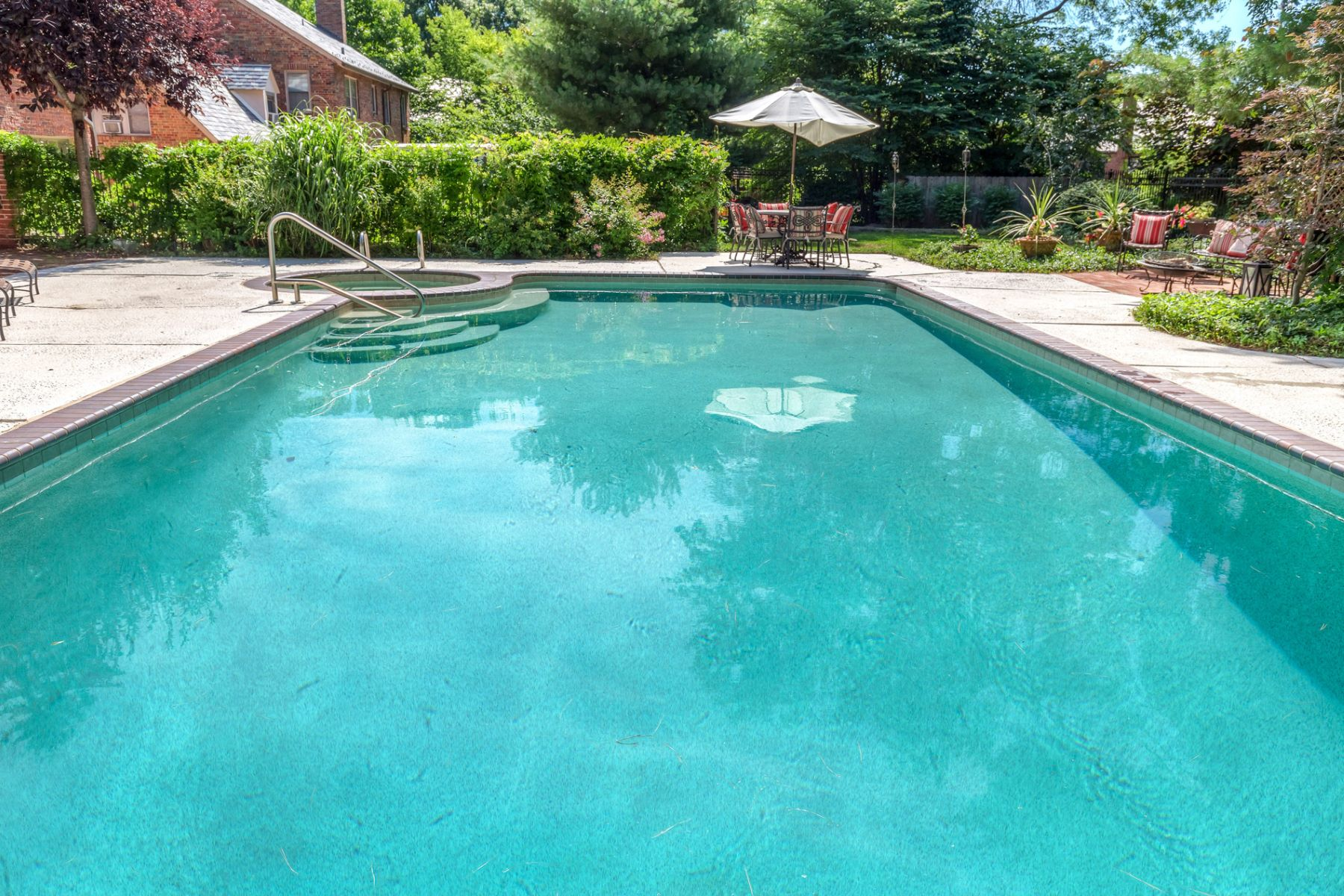 Additional photo for property listing at Lake Forest Drive 56 Lake Forest Dr Richmond Heights, Missouri 63117 United States
