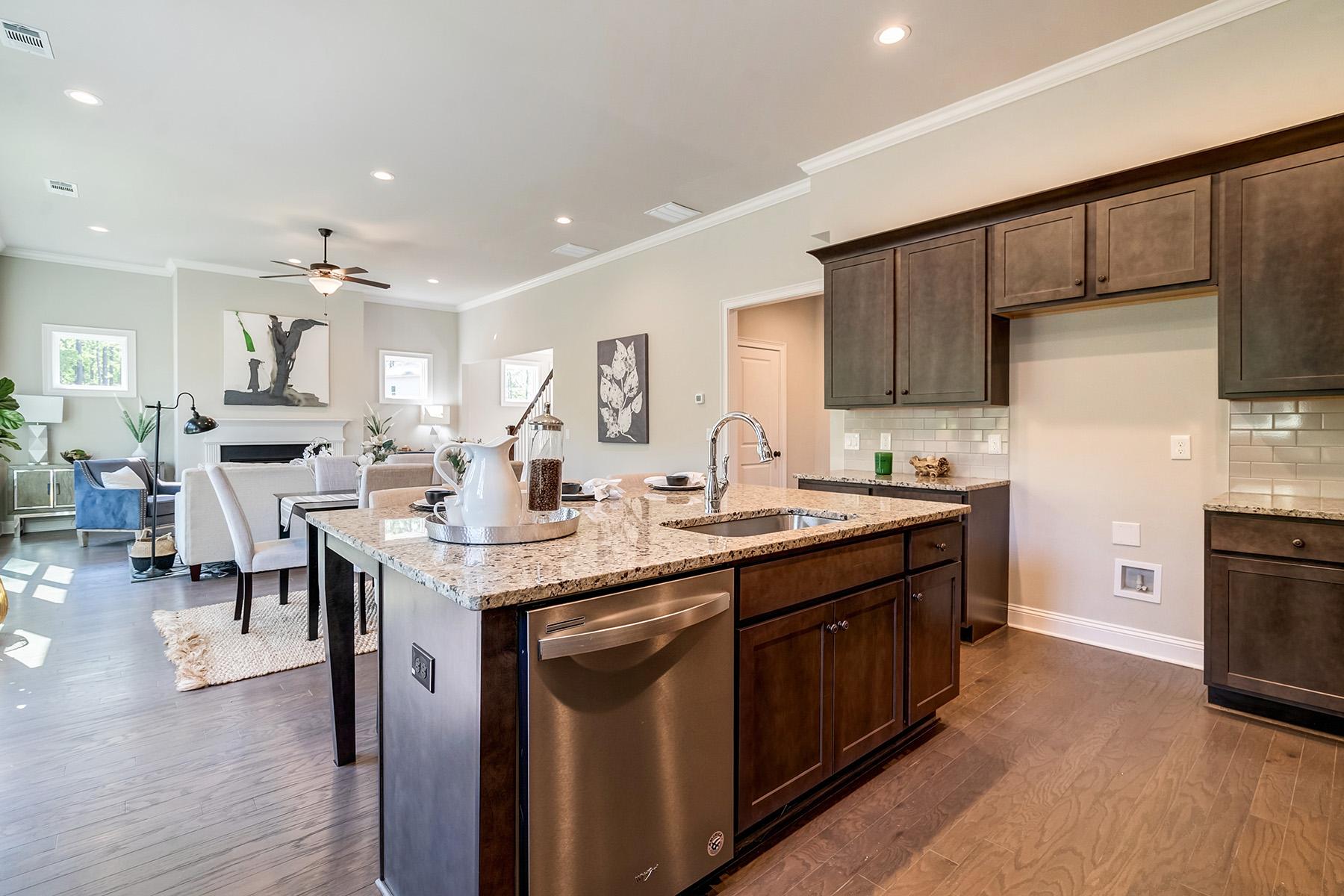 Additional photo for property listing at Retreat At Oak Grove - New Community In Cherokee County 124 Oakdale Woods Lane, Acworth, Georgia 30102 Stati Uniti