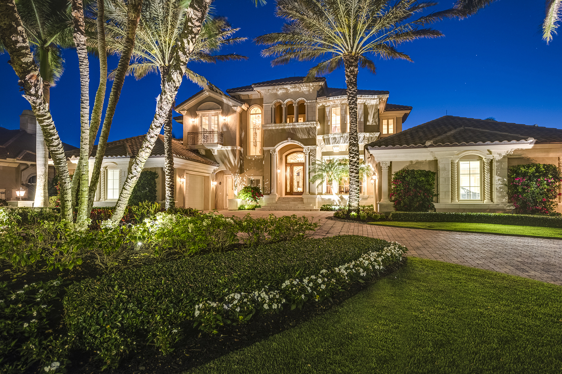 Single Family Homes için Satış at WEST BAY CLUB - LAUREL OAKS AT WEST BAY CLUB 22070 Red Laurel Lane, Estero, Florida 33928 Amerika Birleşik Devletleri