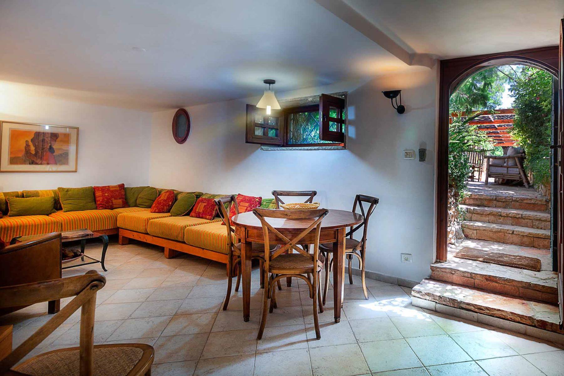 Additional photo for property listing at Enchanting Romantic Dream Home Just Outside of Jerusalem Jerusalem, Israel Israël