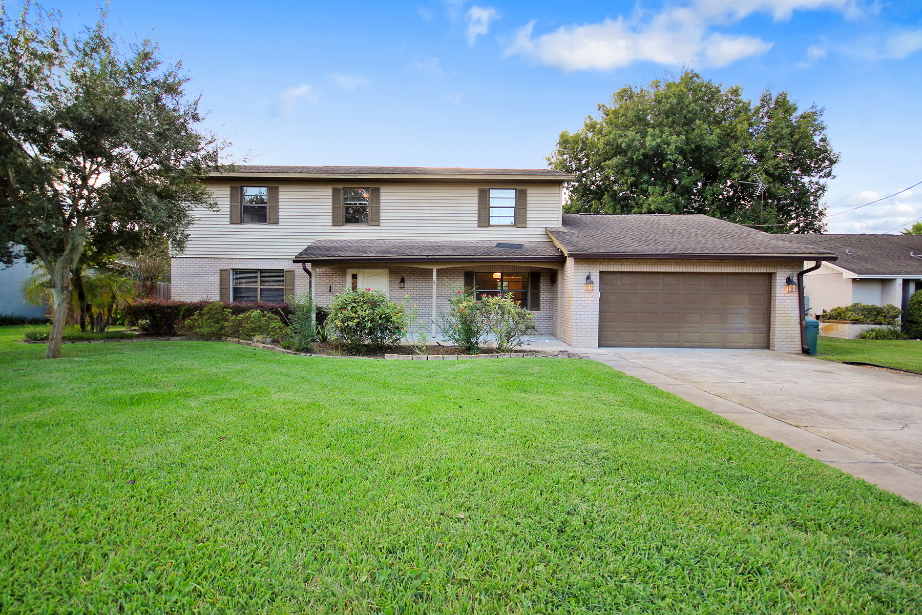 House for Sale at APOPKA 1142 N Floral Way Apopka, Florida 32703 United States