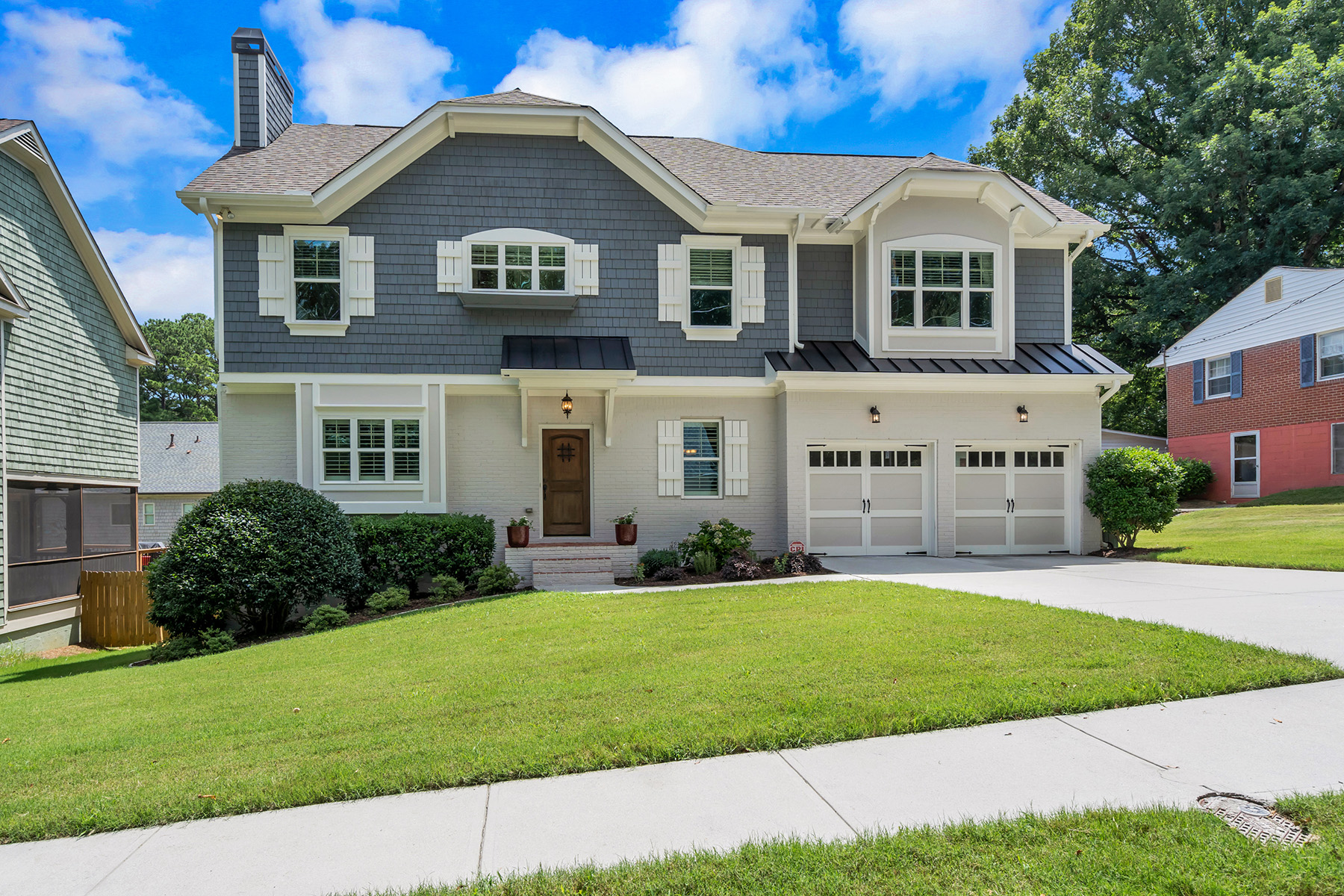 Single Family Homes のために 売買 アット Newer Construction Craftsman in the heart of Brookhaven 2341 Briarwood Hills Dr, Brookhaven, ジョージア 30319 アメリカ